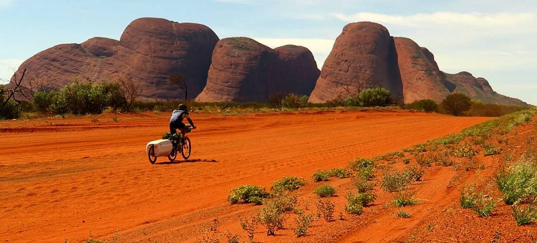 Photo 1: La Great Central Road à vélo - Australie