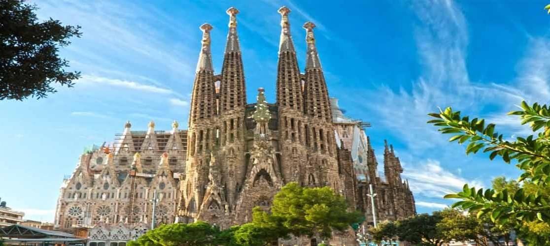 Photo 2: La Sagrada Familia - La plus incroyable basilique au monde!