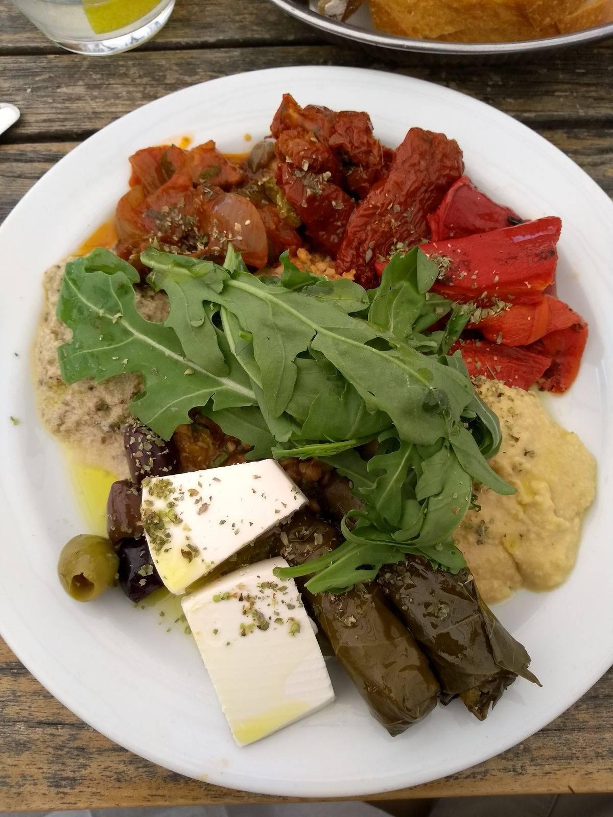 Photo 1: La Kantine ! Pour bien manger végétarien dans le quartier des musées !