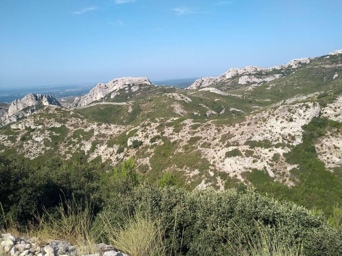 Photo 1: À la découverte du massif des Alpilles...