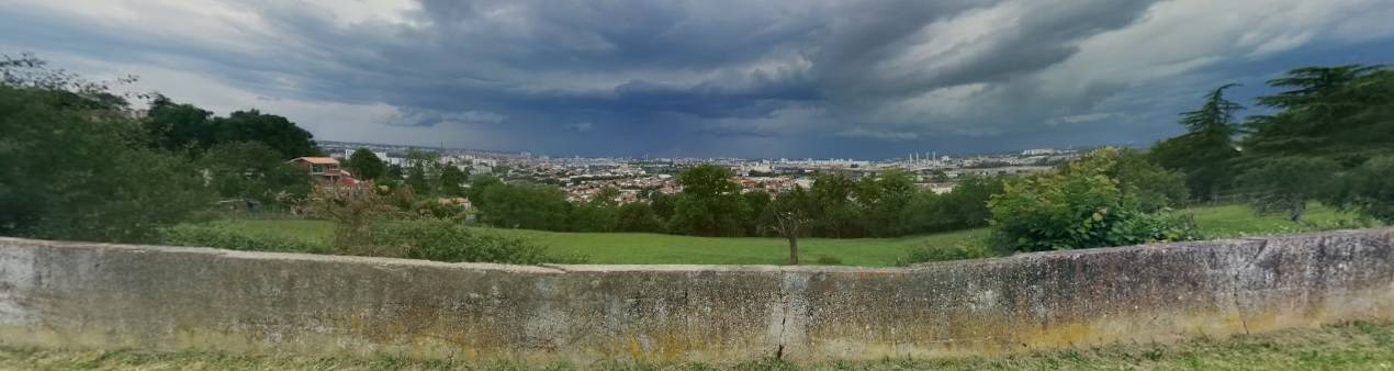 Photo 1: La campagne à Bordeaux