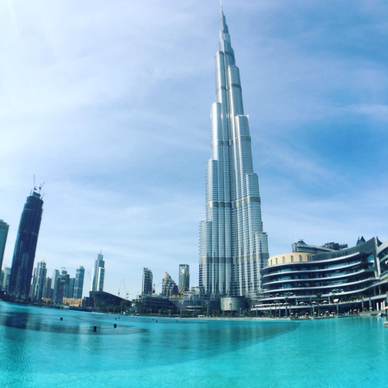 Photo 1: La tour Burj Khalifa, la plus haute tour du monde !