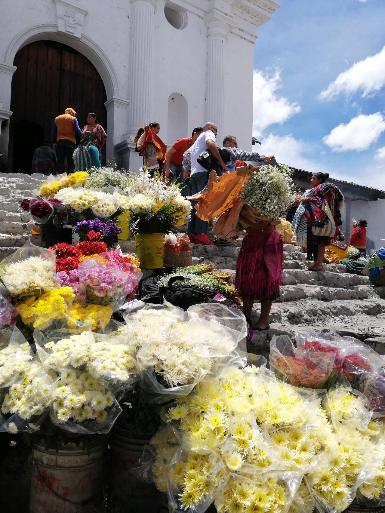 Photo 3: Le marché coloré de Chichicastenango au Guatemala