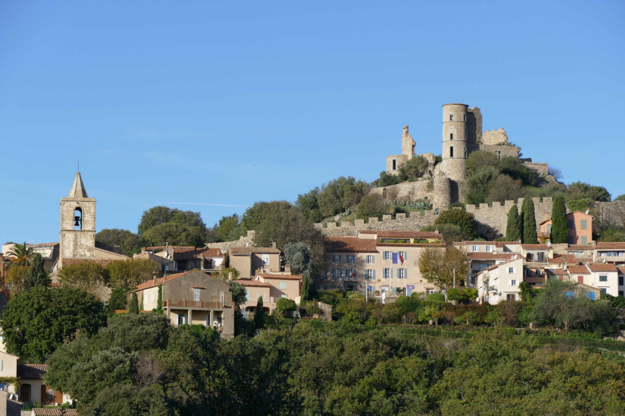 Photo 1: Grimaud, un village authentique dans le Golfe de St Tropez