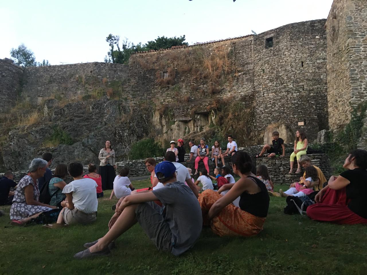 Photo 1: Soirée contée : cité médiévale de Vouvant