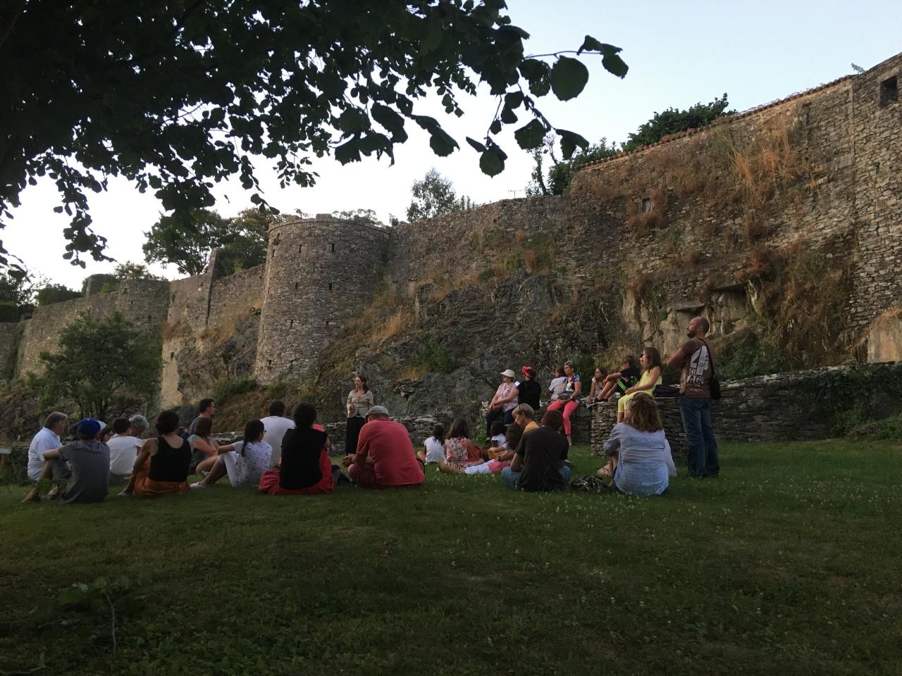 Photo 2: Soirée contée : cité médiévale de Vouvant