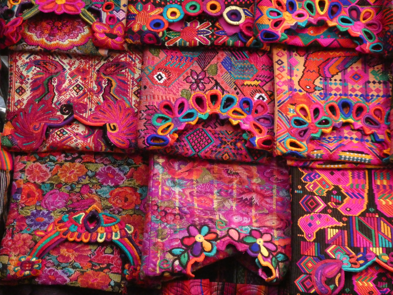 Photo 1: Le marché coloré de Chichicastenango au Guatemala