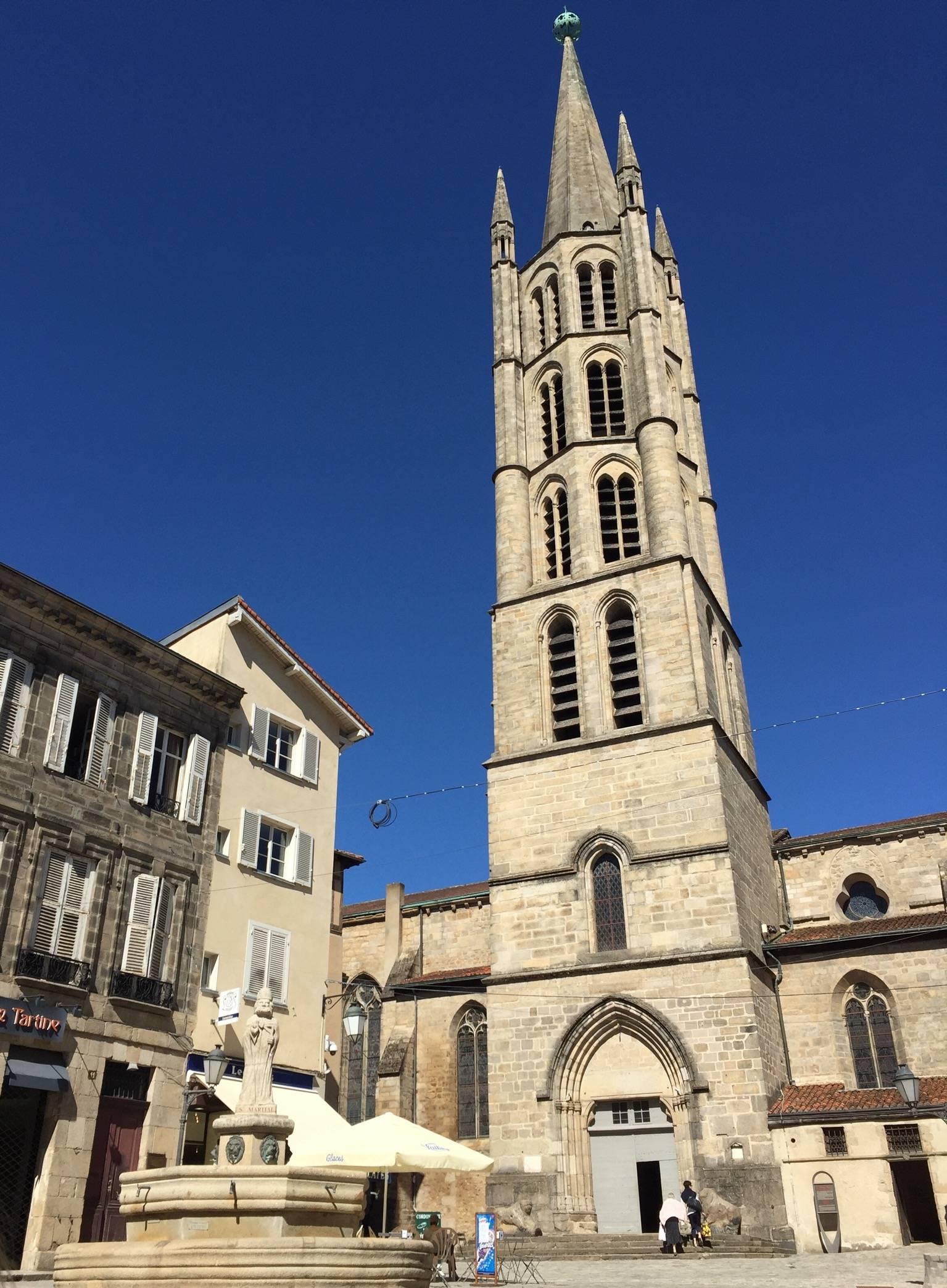 Photo 1: La place st Michel des lions!