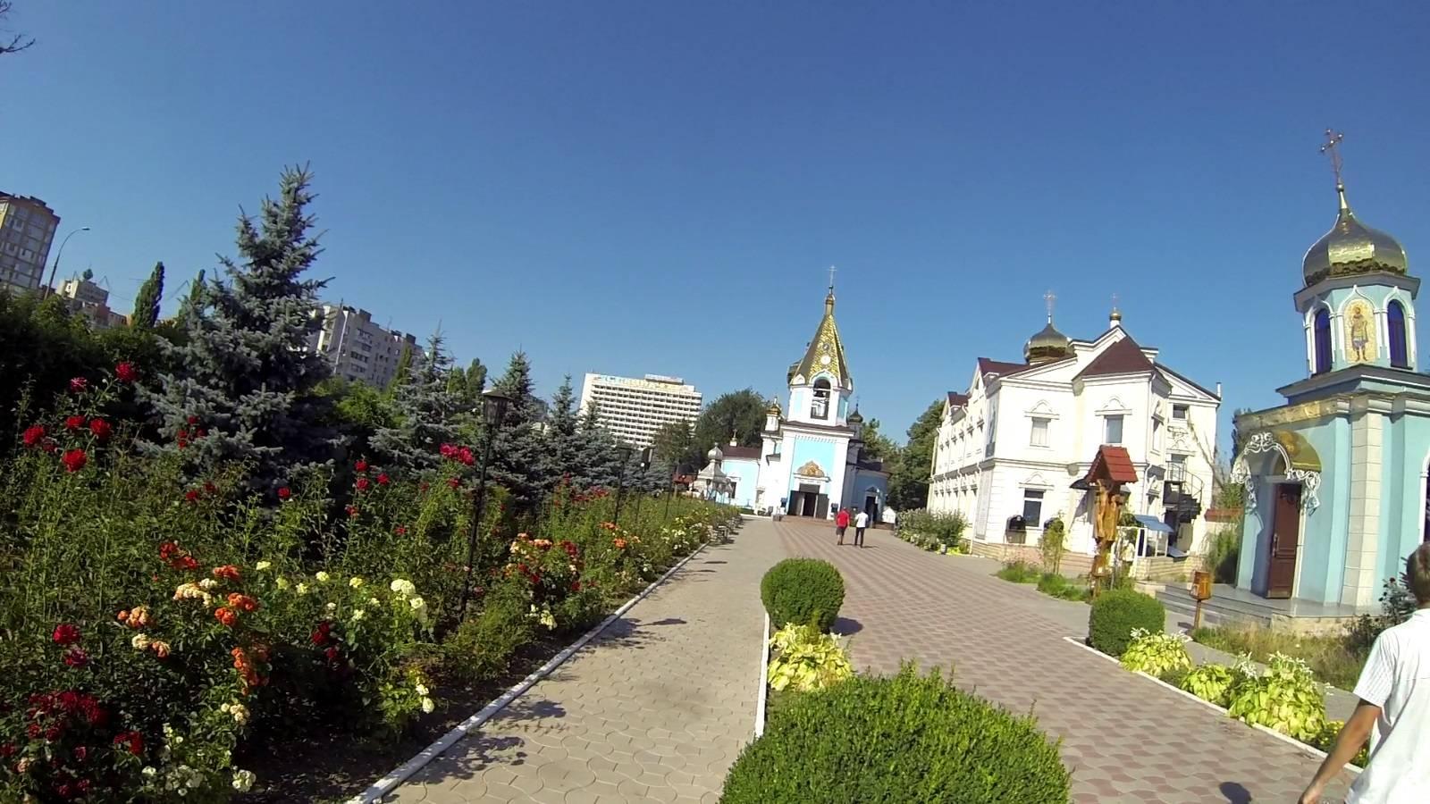 Photo 2: Chisinau - capitale Moldave si peu visitée