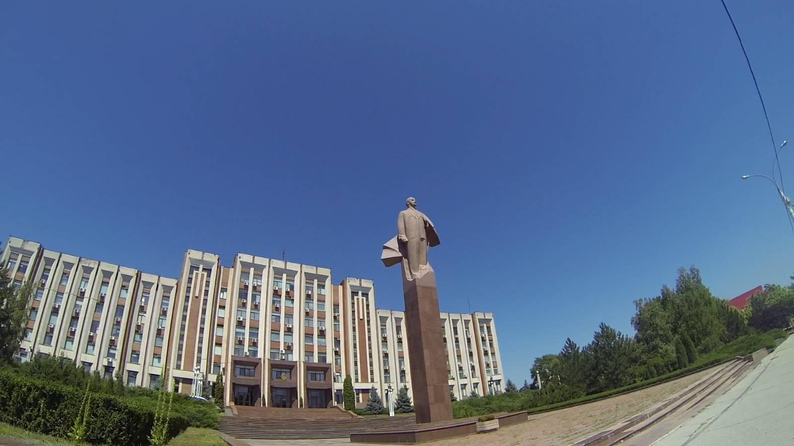 Photo 2: Tiraspol, capitale de la Transnistrie, le dernier pays d'URSS
