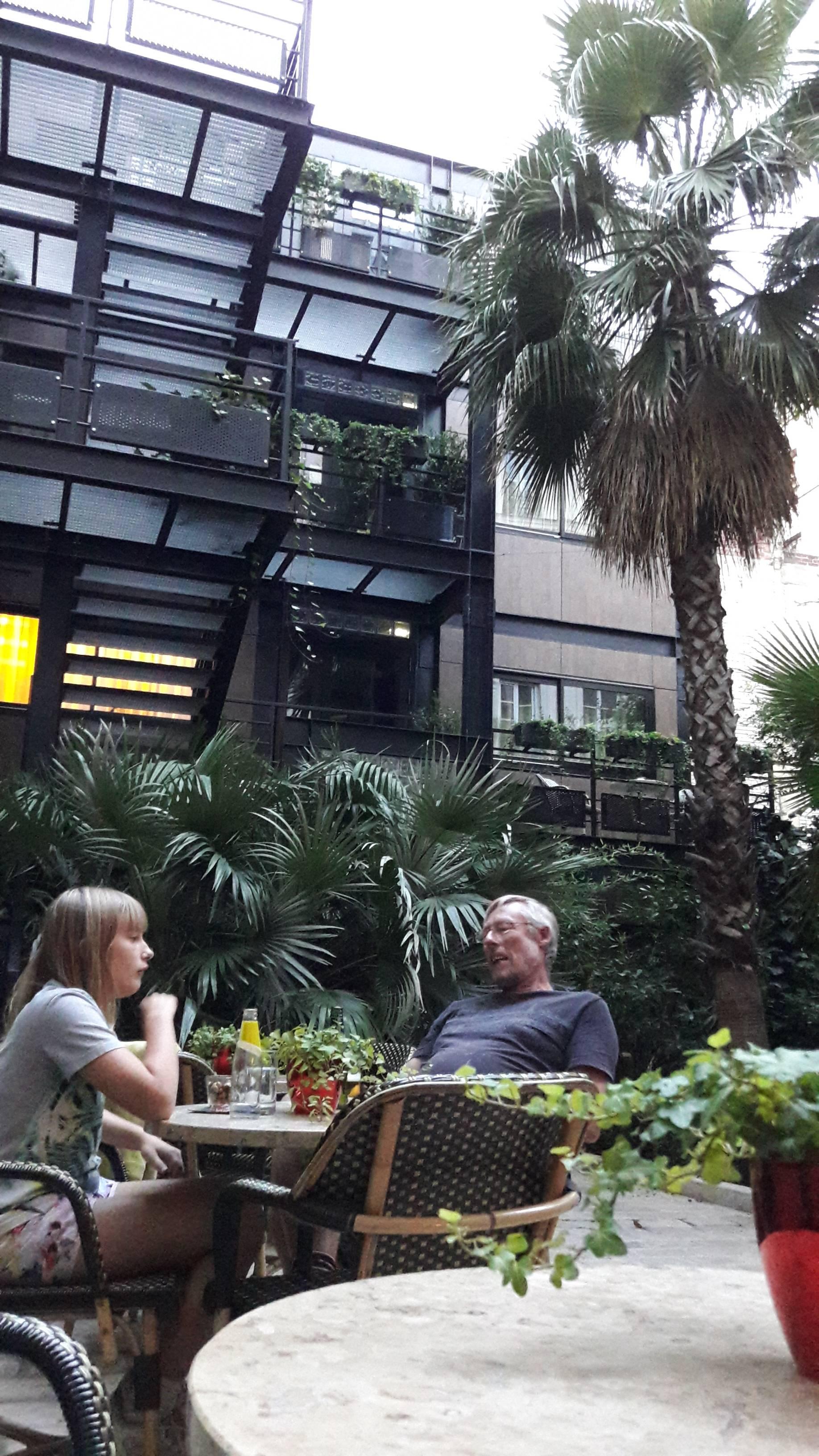 Photo 1: Hôtel Beauséjour pour sa terrasse secrète