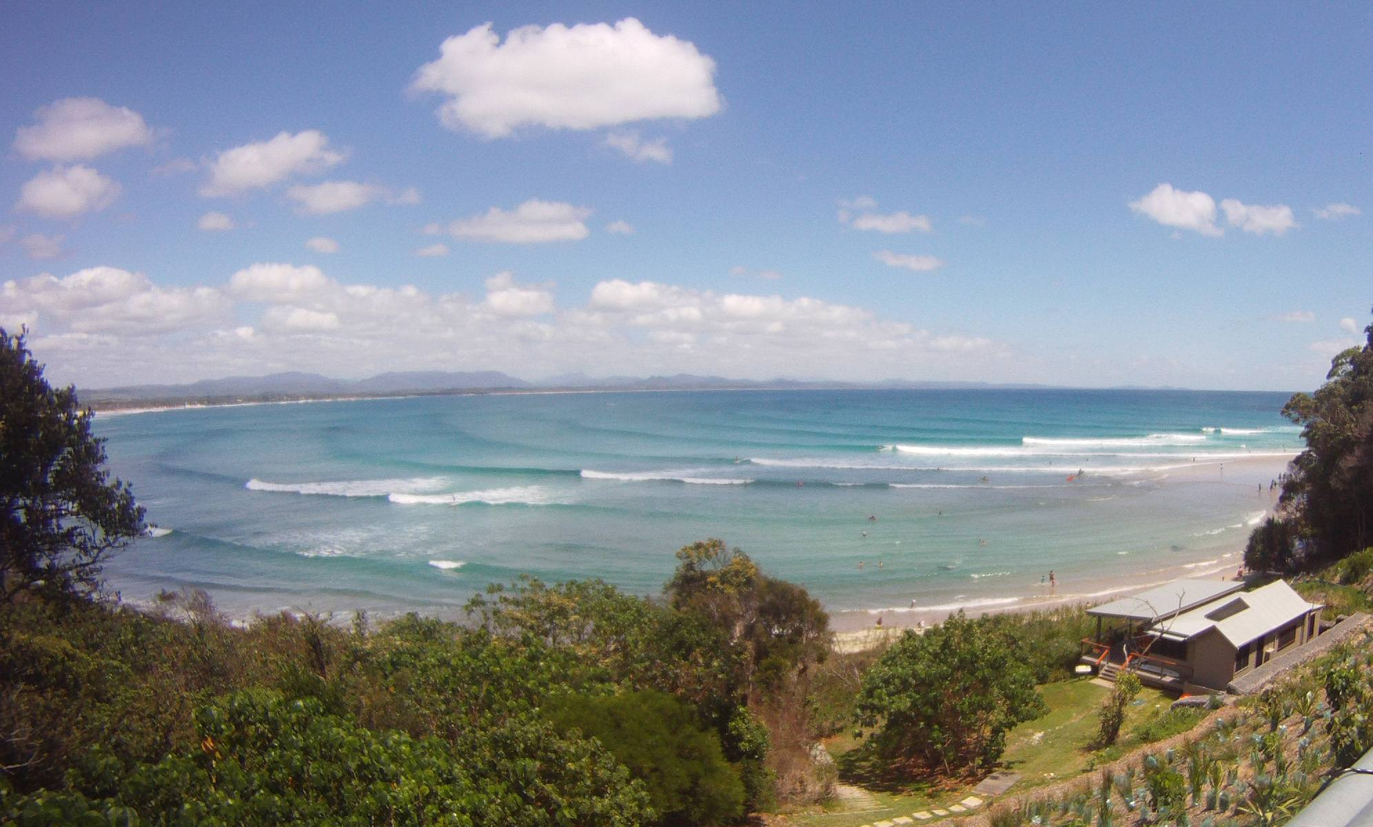 Photo 1: Byron Bay - relax & surf