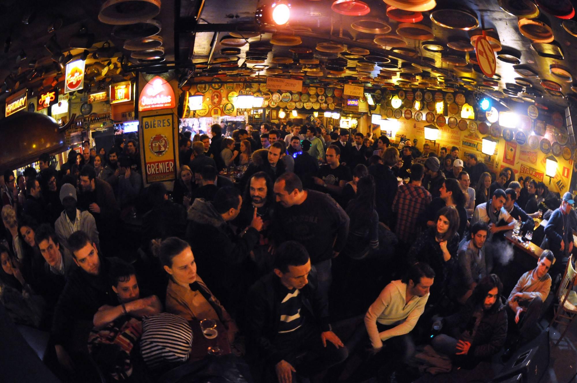 Photo 1: Délirium Café - le bar aux 2000 bières