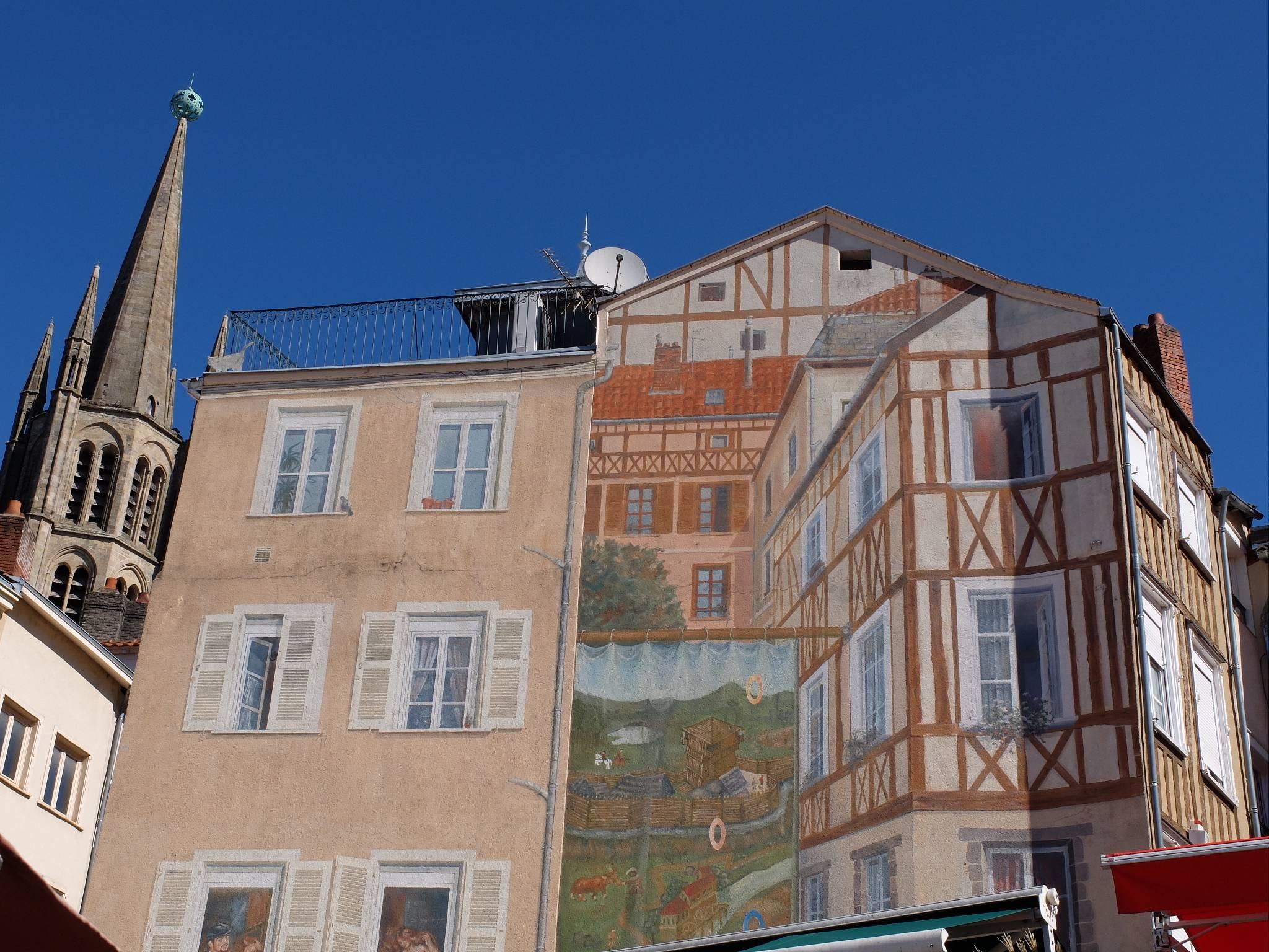 Photo 2: La place st Michel des lions!