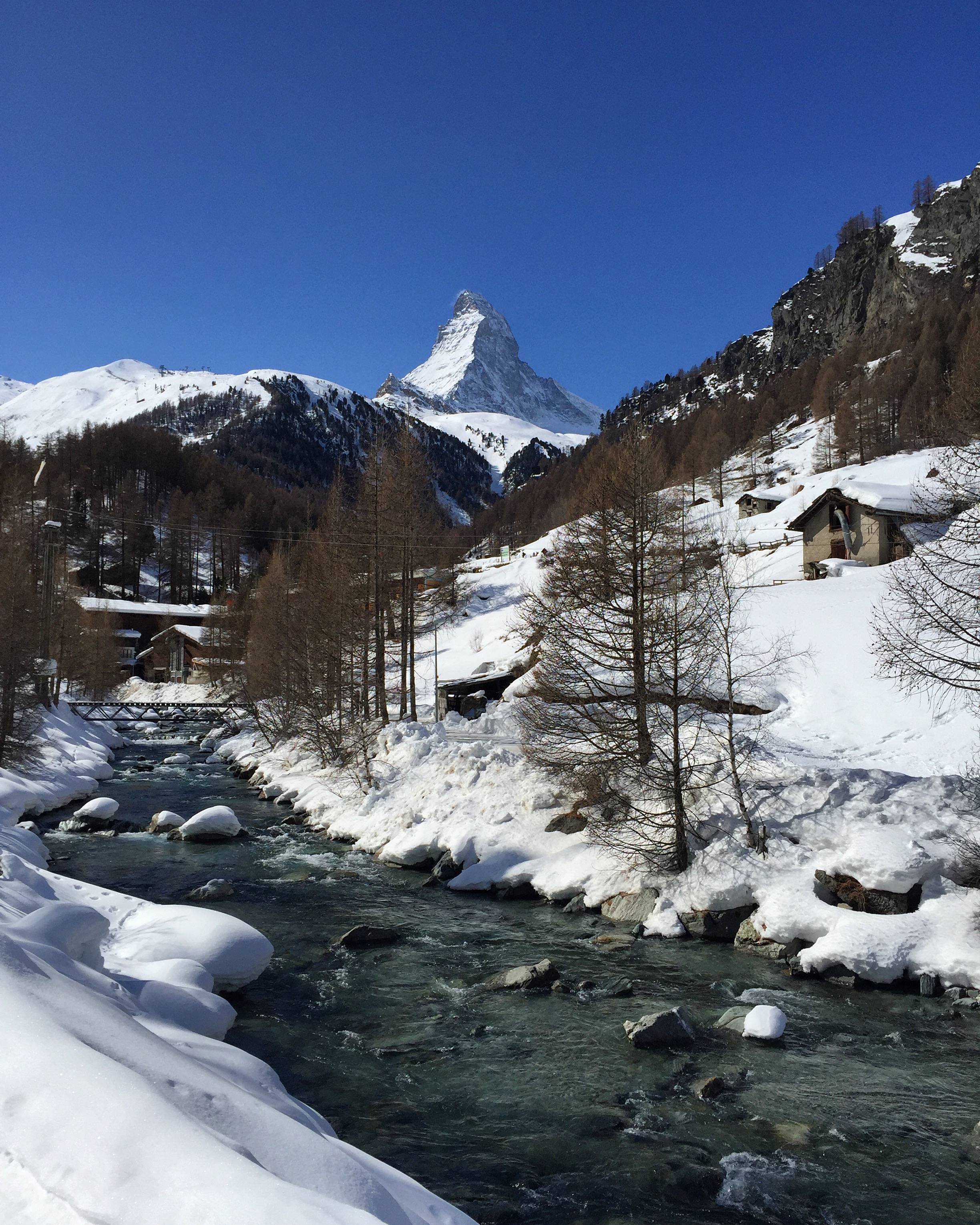 Photo 1: Zermatt : vue sur la montagne de Toblerone !
