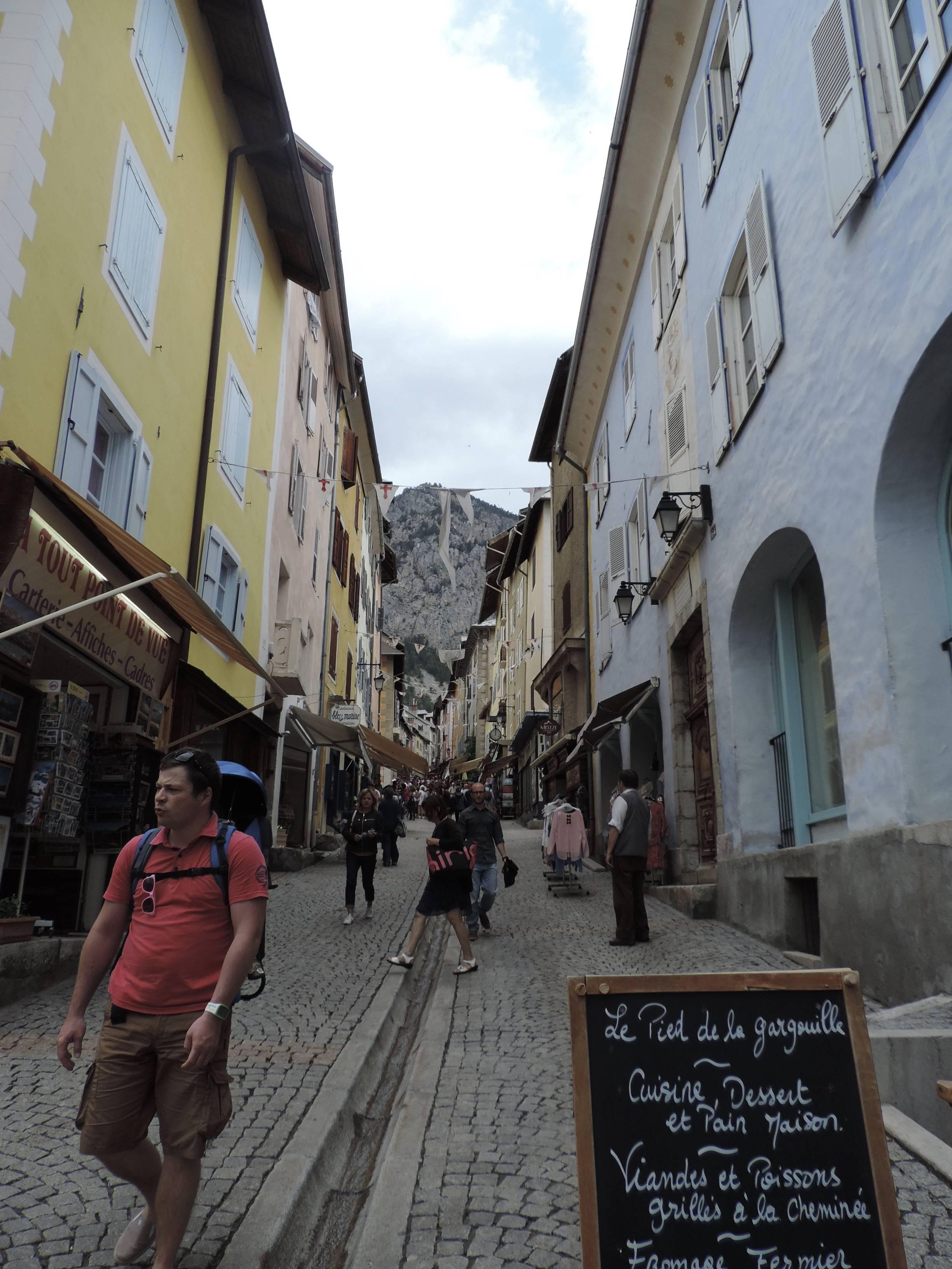 Photo 1: Le resto de ouf à Briançon (frais frais archi frais trop bon)