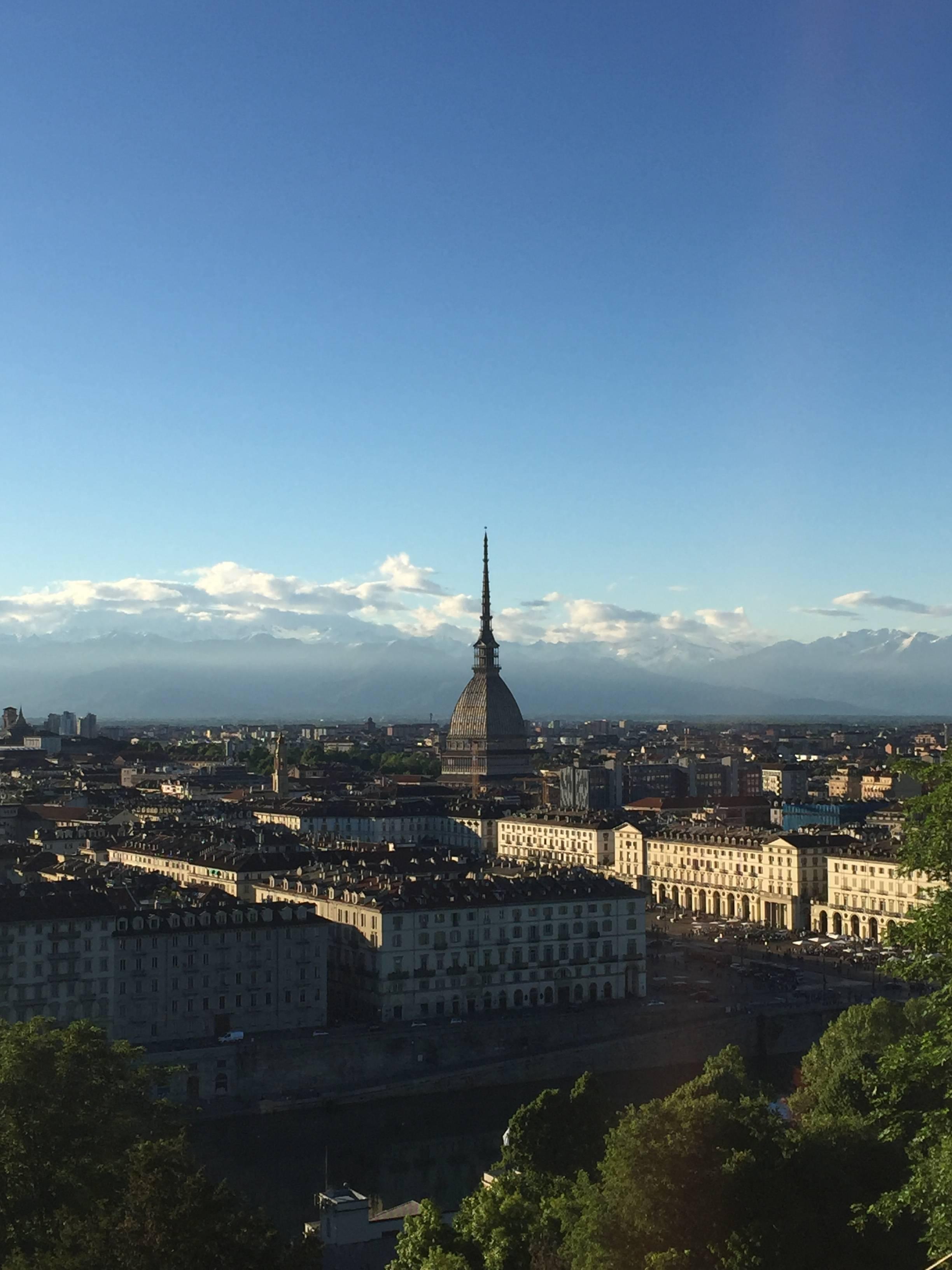 Photo 3: Turin l'oubliée ! Replendissante au travers de ses palaces, montagnes et arcades