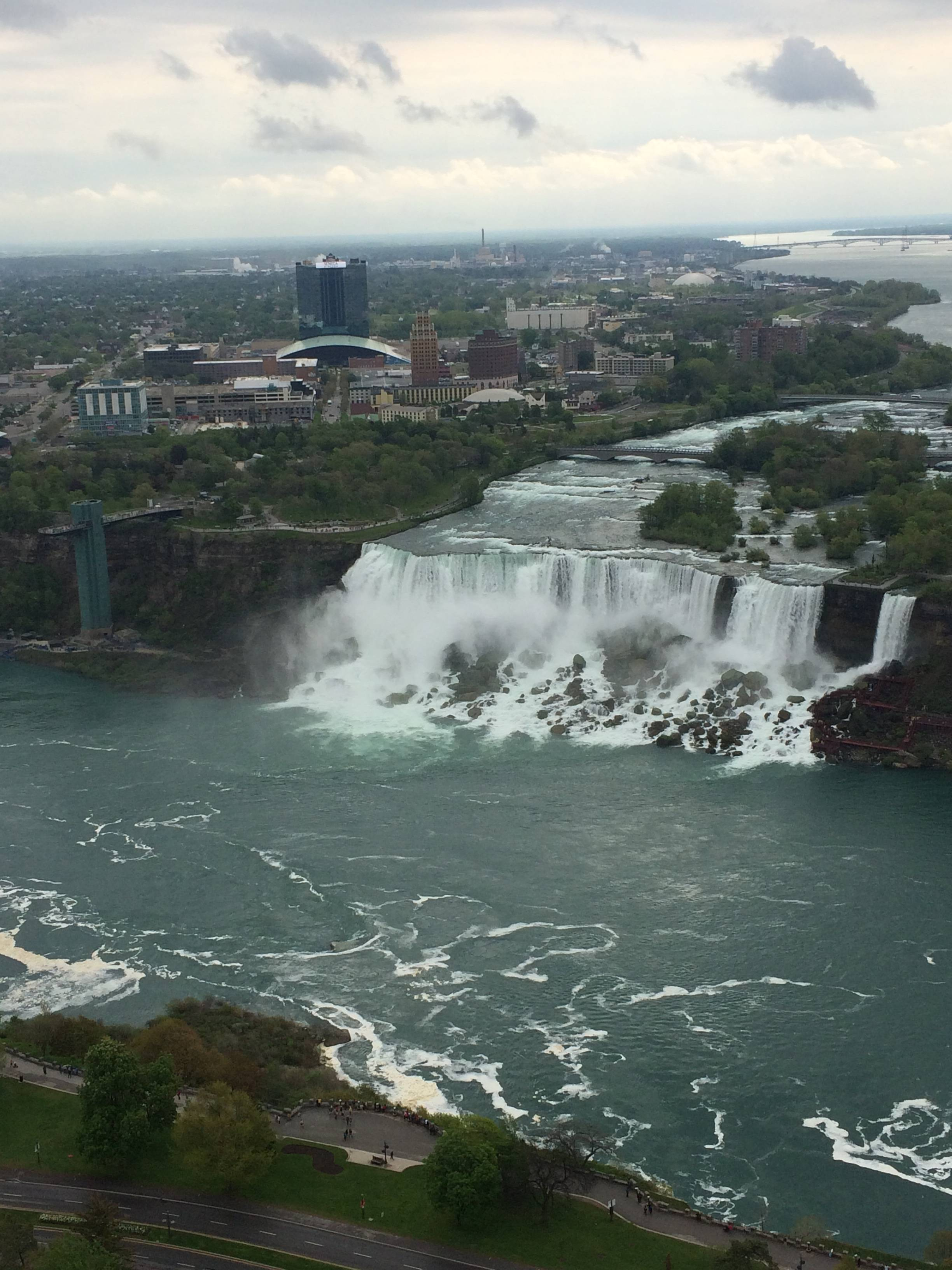 Photo 2: Tour Toronto - Niagara fall
