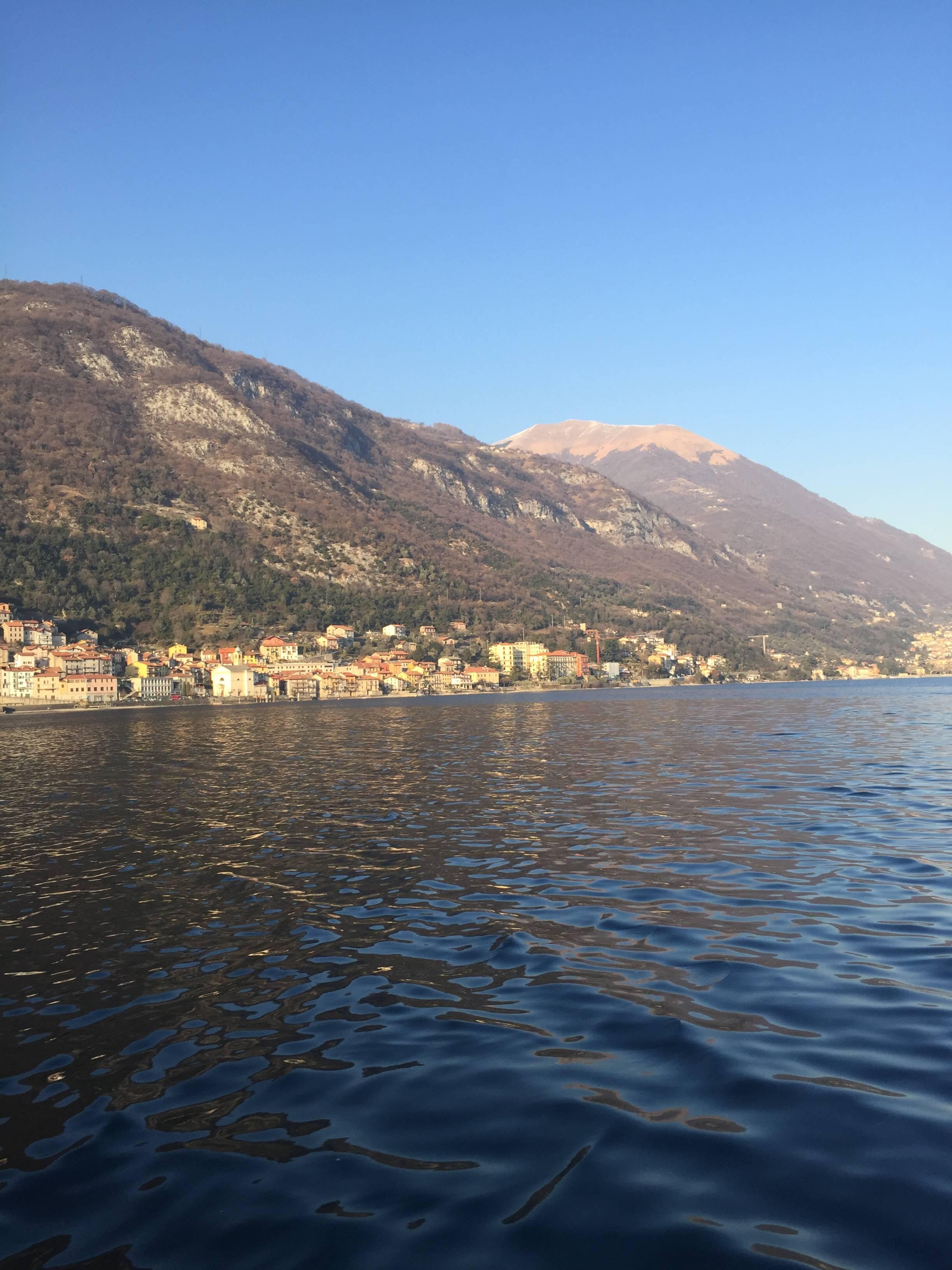 Photo 3: Balade en bateau sur le lac de Côme (oui oui, on a conduit!)