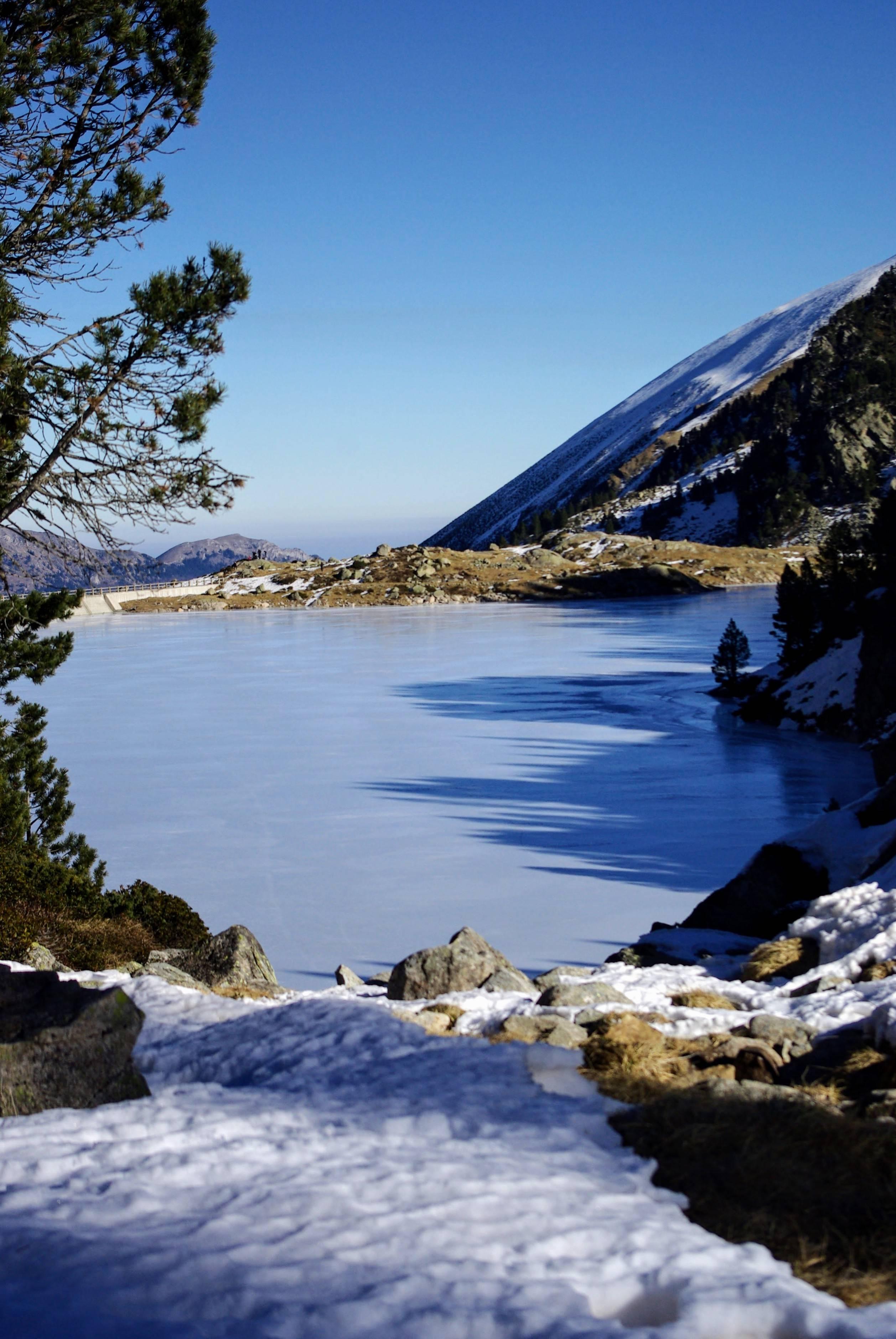 Photo 1: Refuge de Campana à 2225m dans les Hautes Pyrénnées