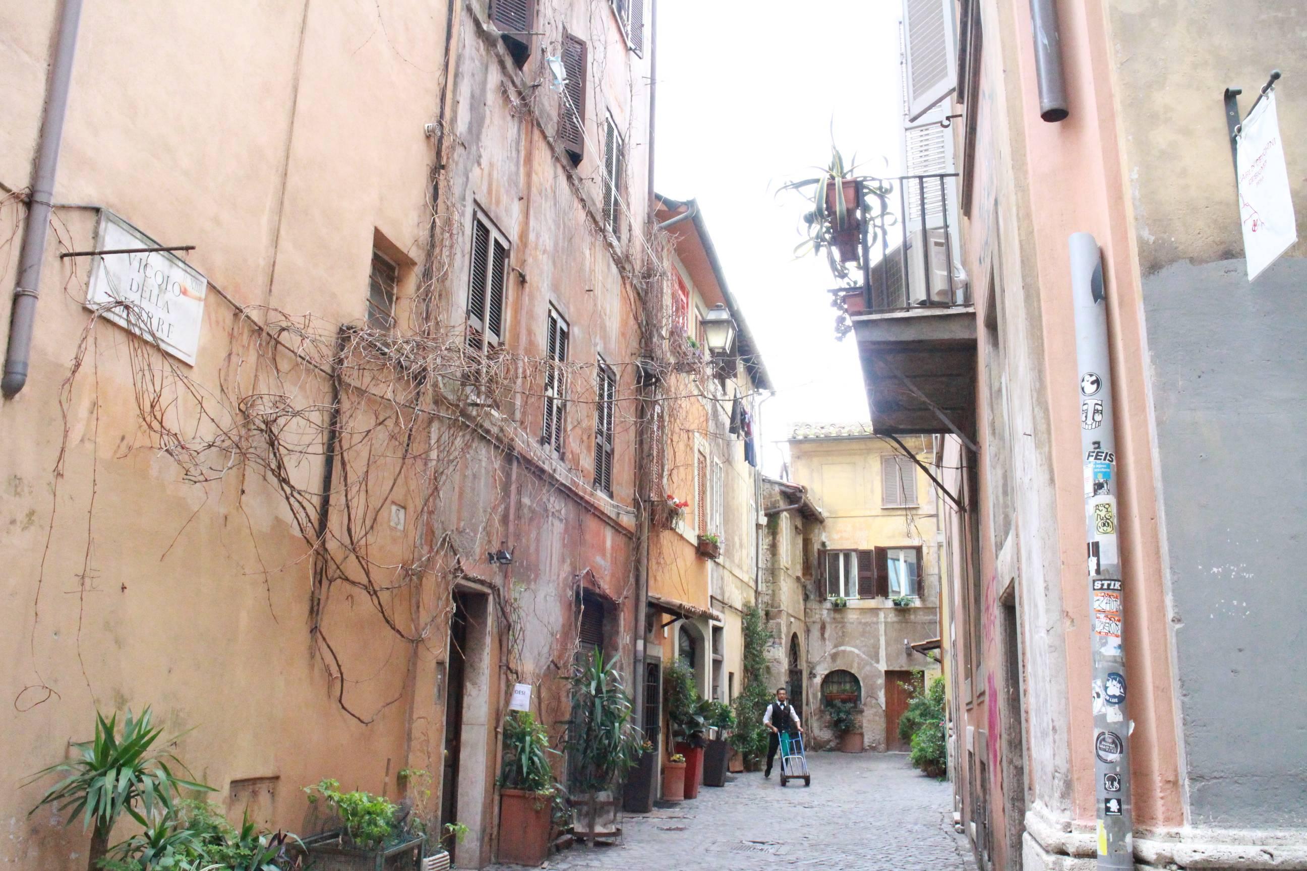 Photo 3: Notre rue coup de coeur : la via della Lungaretta