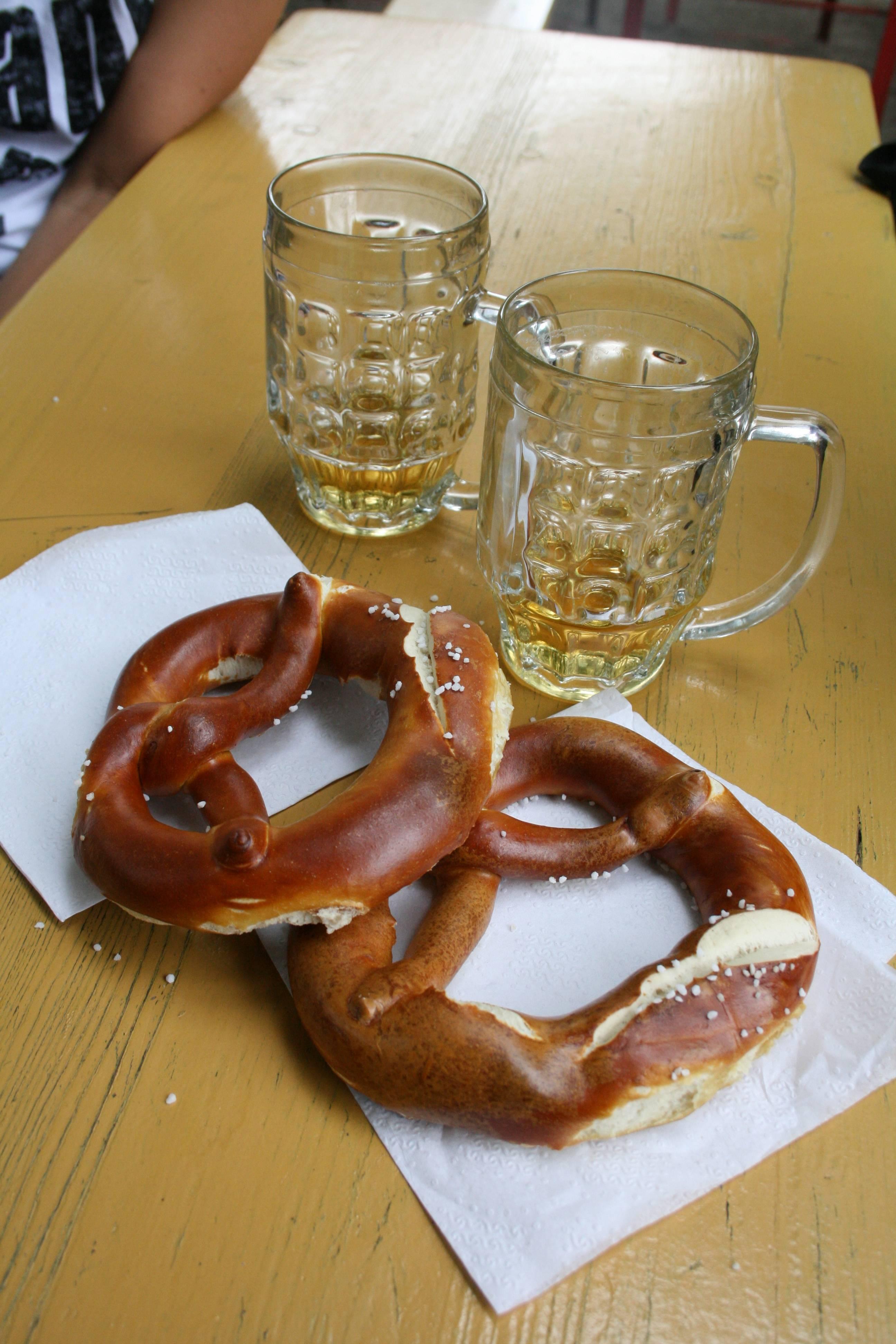 Photo 3: Prater Biergarten : bières et bretzels dans une ambiance conviviale
