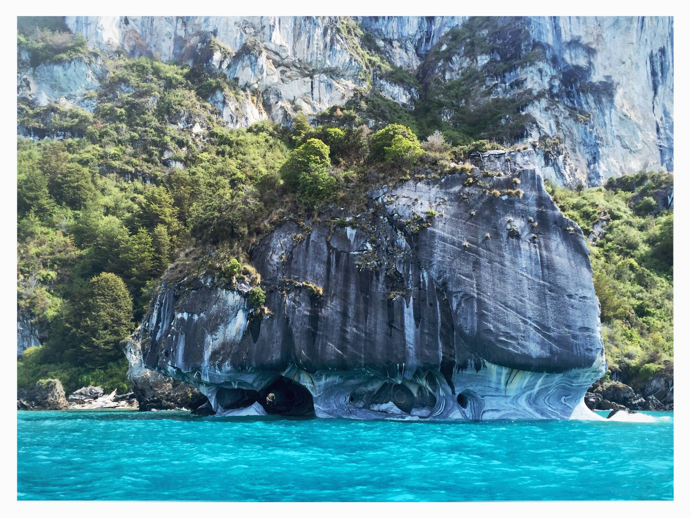 Photo 1: Lago General Carrera, l'eau turquoise de Bora Bora 30° en moins