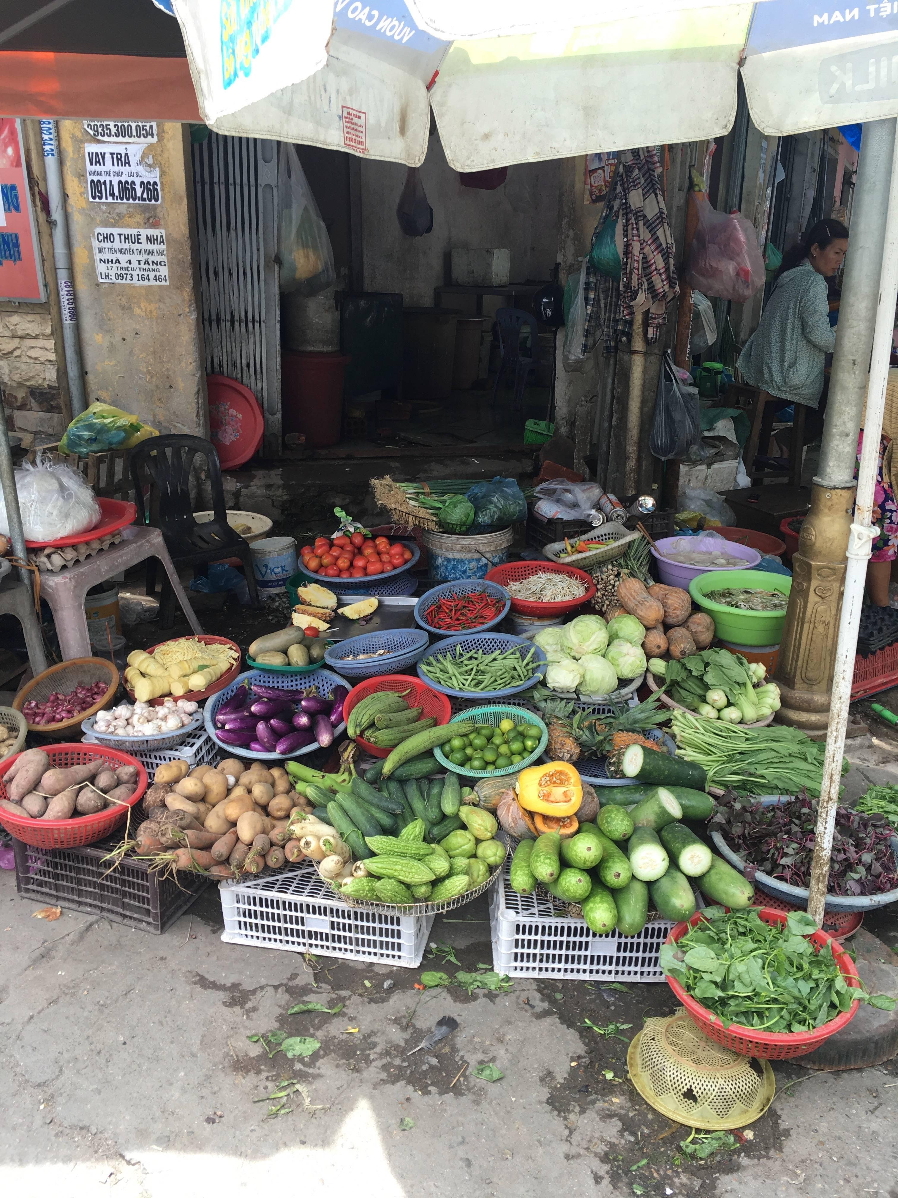 Photo 2: Se perdre dans le grand marché de Hué