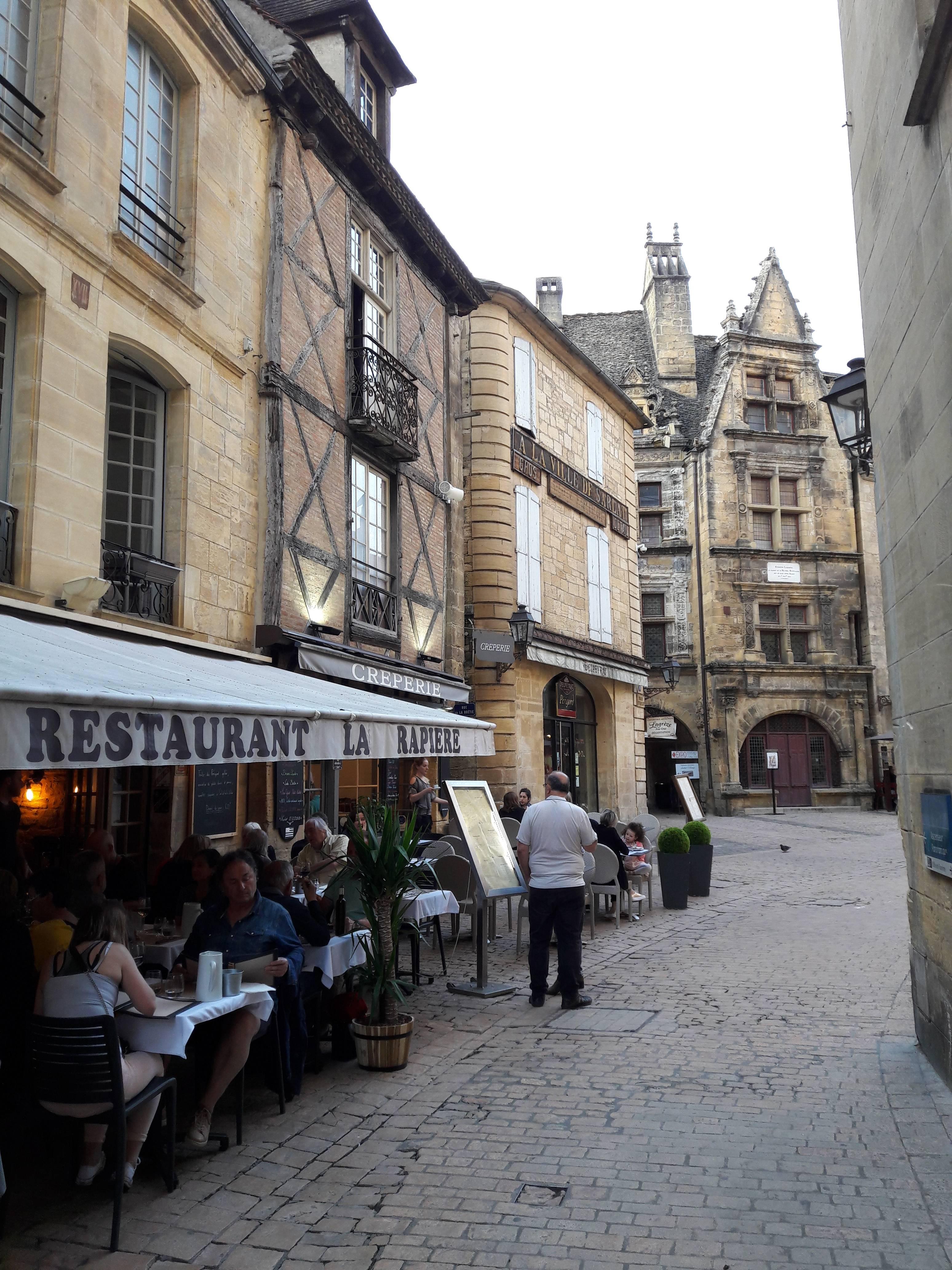 Photo 2: Un excellent restaurant, tout sur le canard!