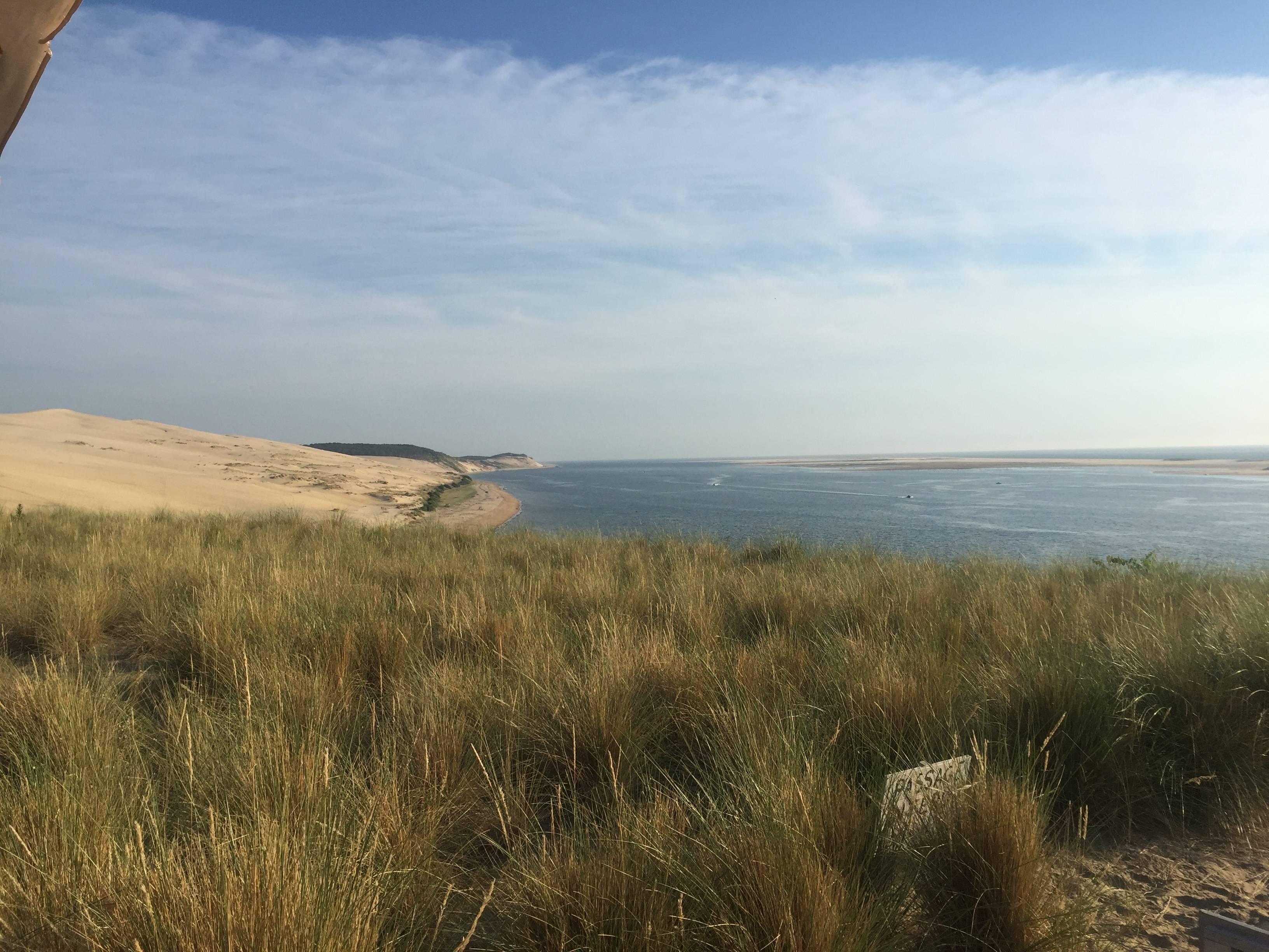 Photo 2: Repas à la Coorniche avec vue sur le banc d'arguin