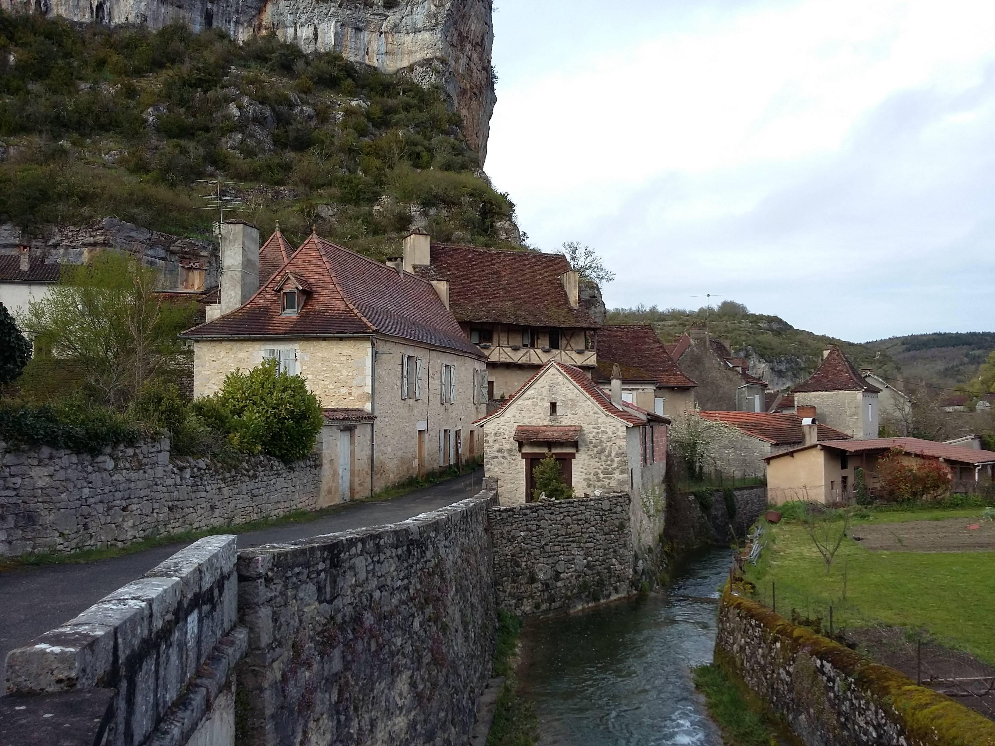 Photo 1: Cabrerets, le petit village de la grotte de pech merle