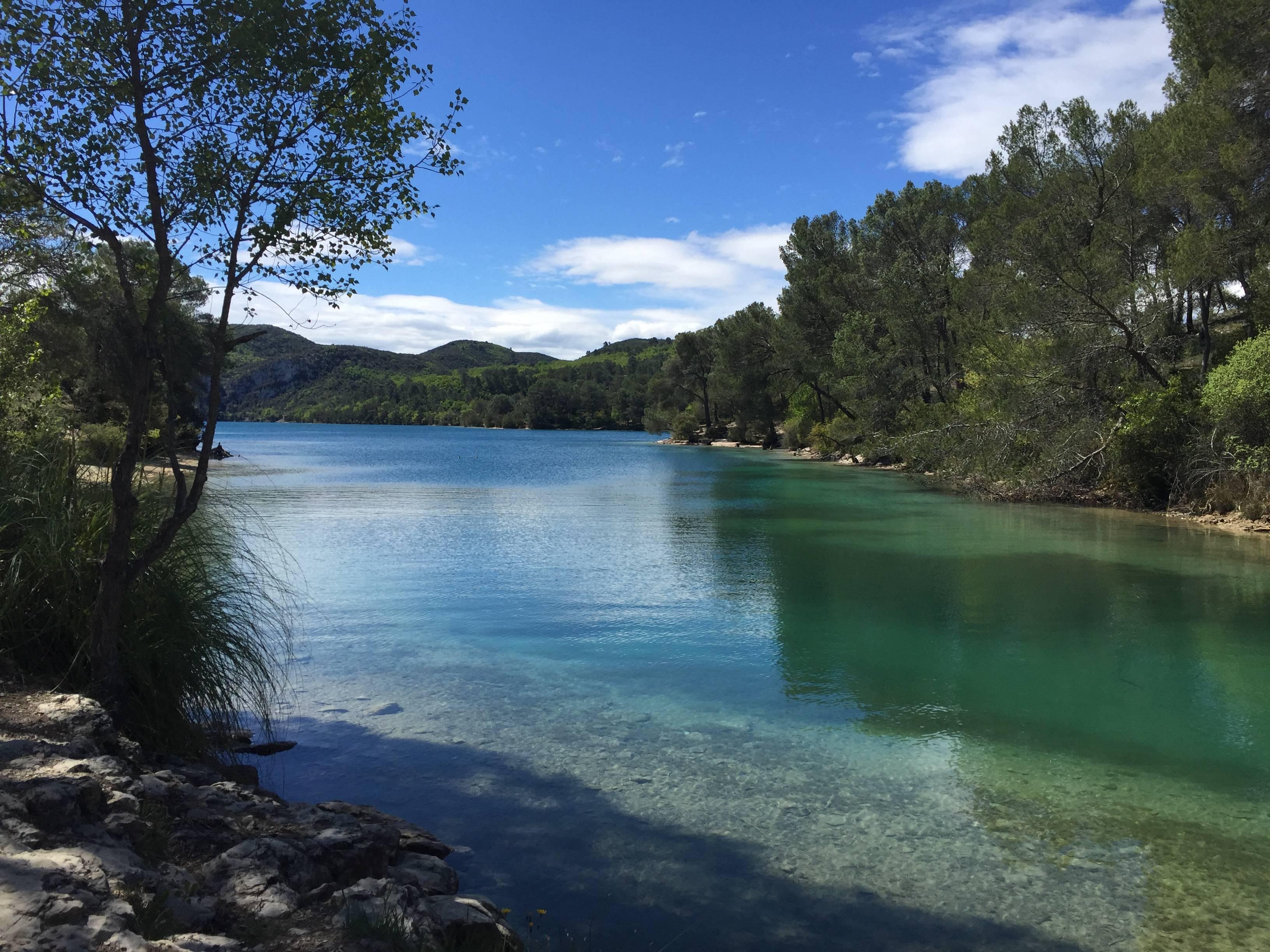Photo 1: Le Lac d'Esparron