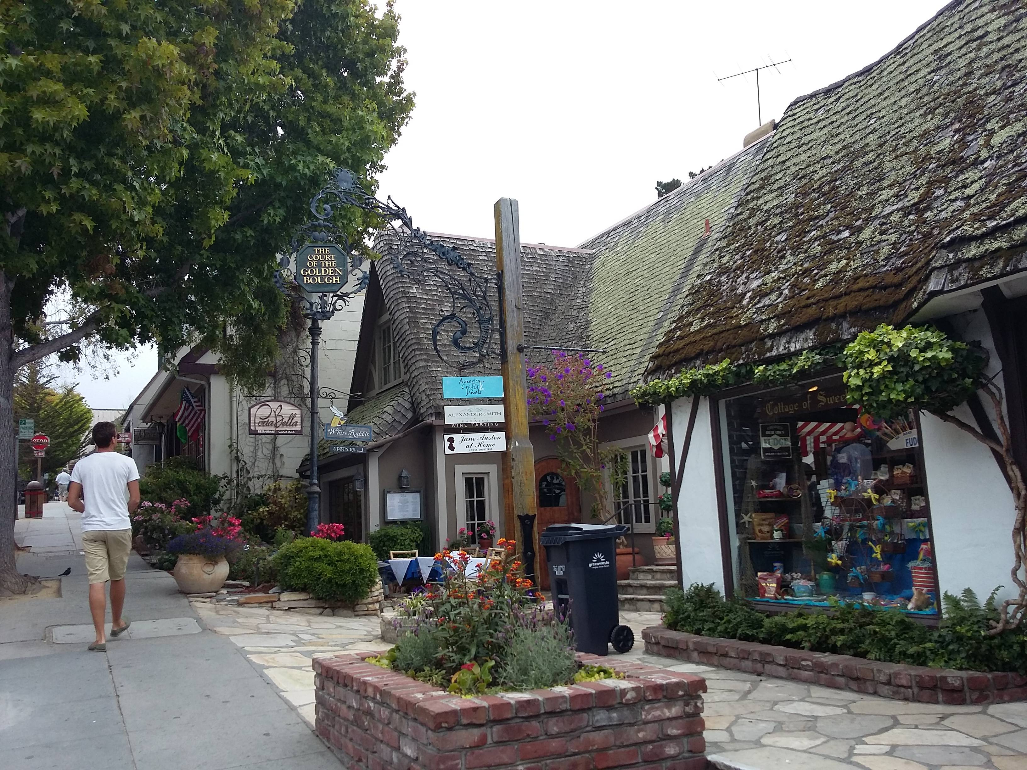 Photo 2: carmel-by-the-sea... un village aux US
