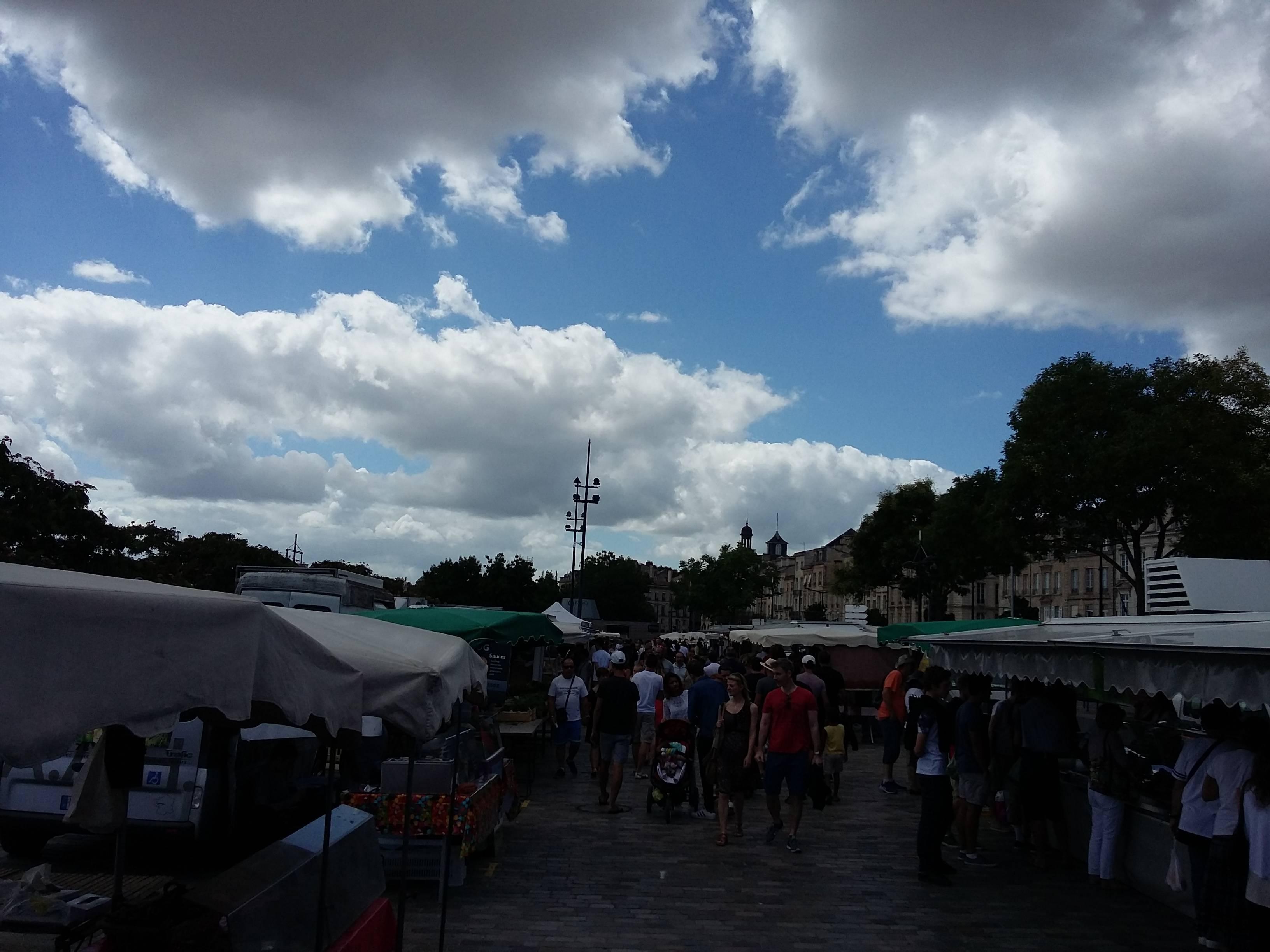 Photo 1: Marché des Chartrons le dimanche matin