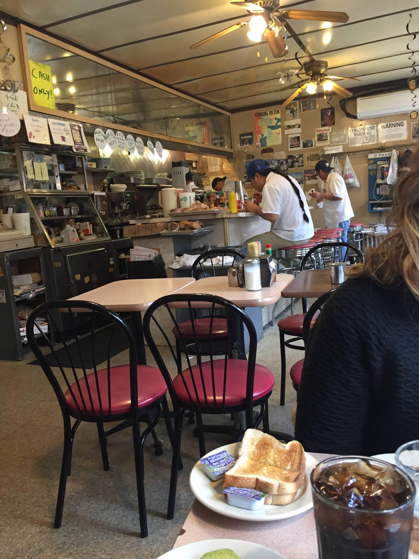 Photo 1: La Bonbonnière // le diner  classique