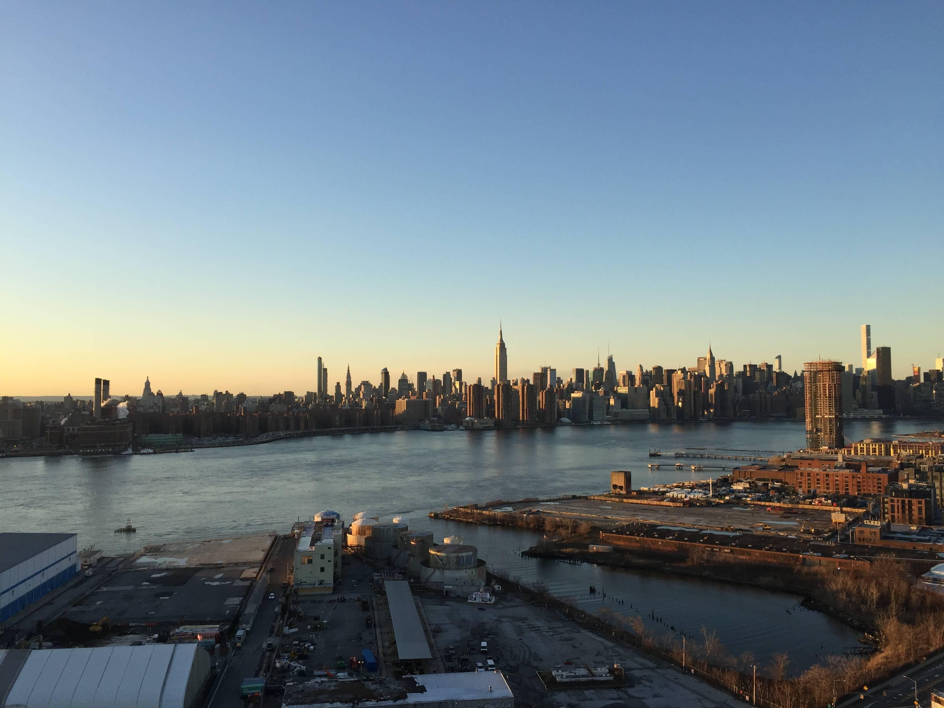 Photo 2: Le rooftop Westlight, la plus belle vue de Manhattan depuis Brooklyn !