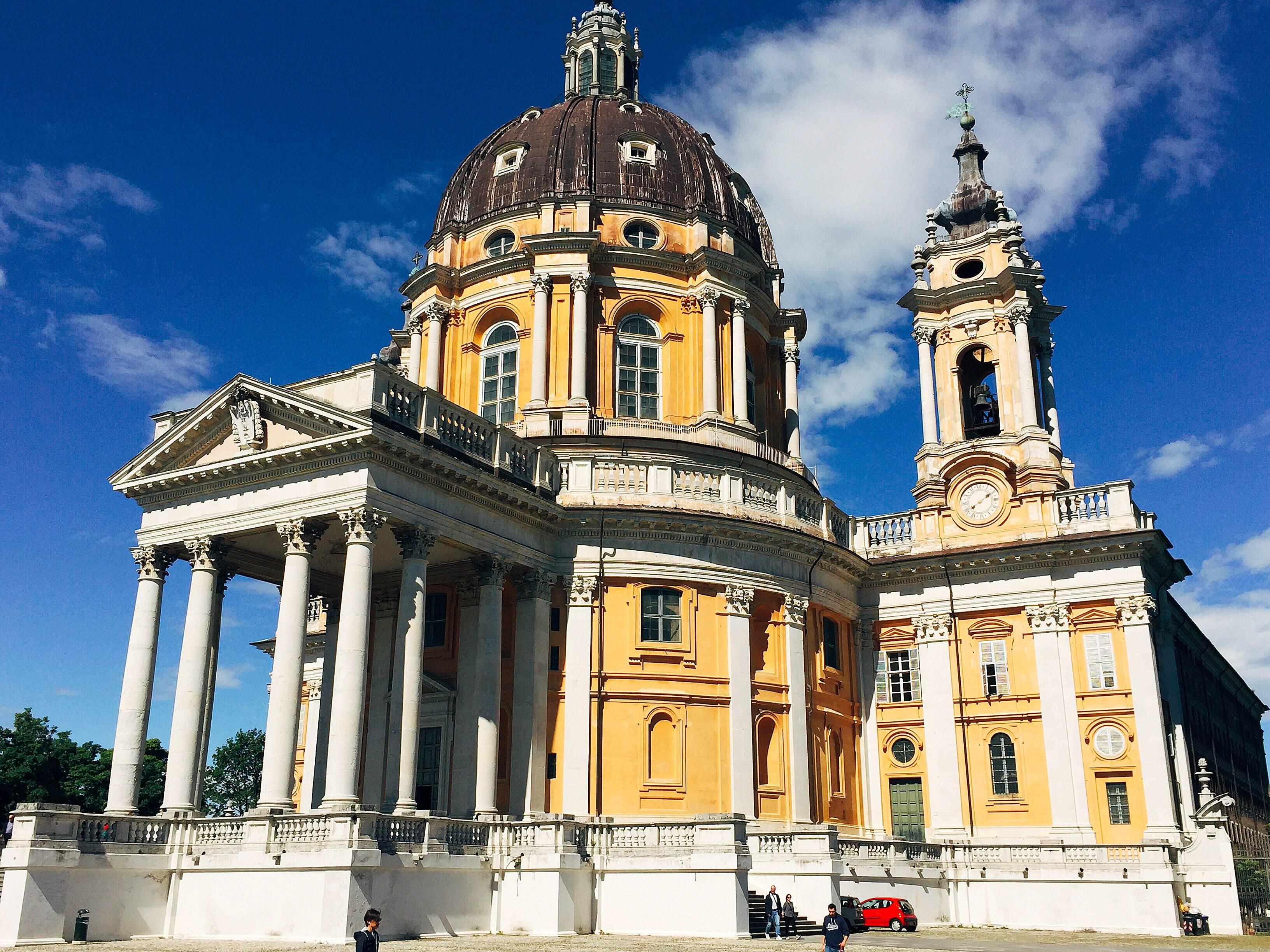 Photo 1: Turin l'oubliée ! Replendissante au travers de ses palaces, montagnes et arcades