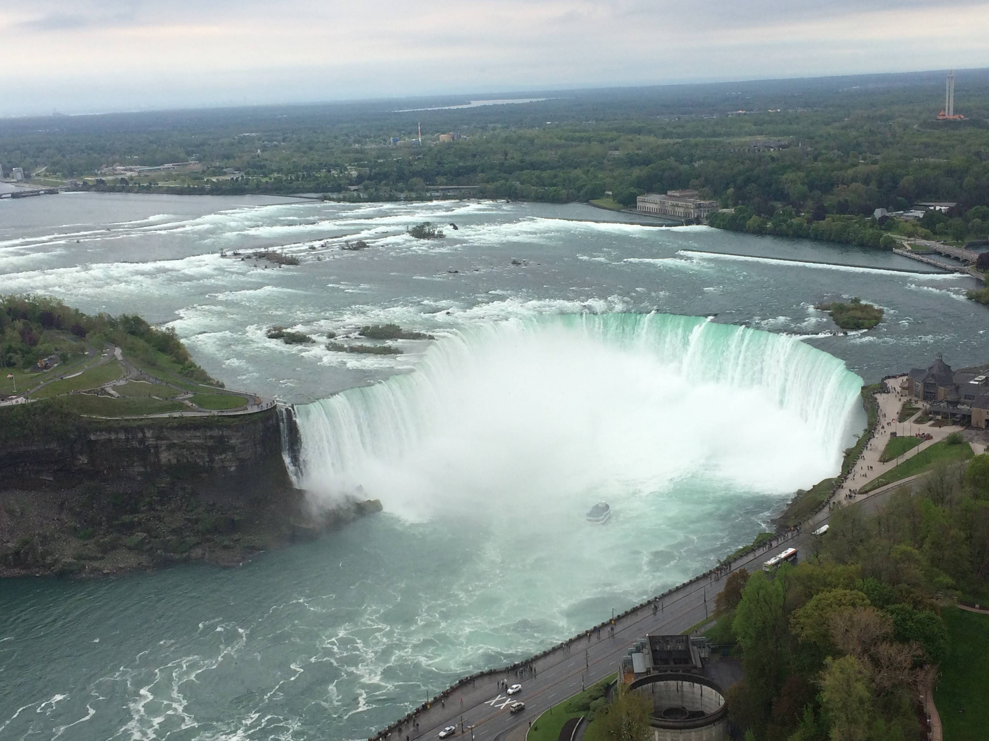 Photo 3: Tour Toronto - Niagara fall