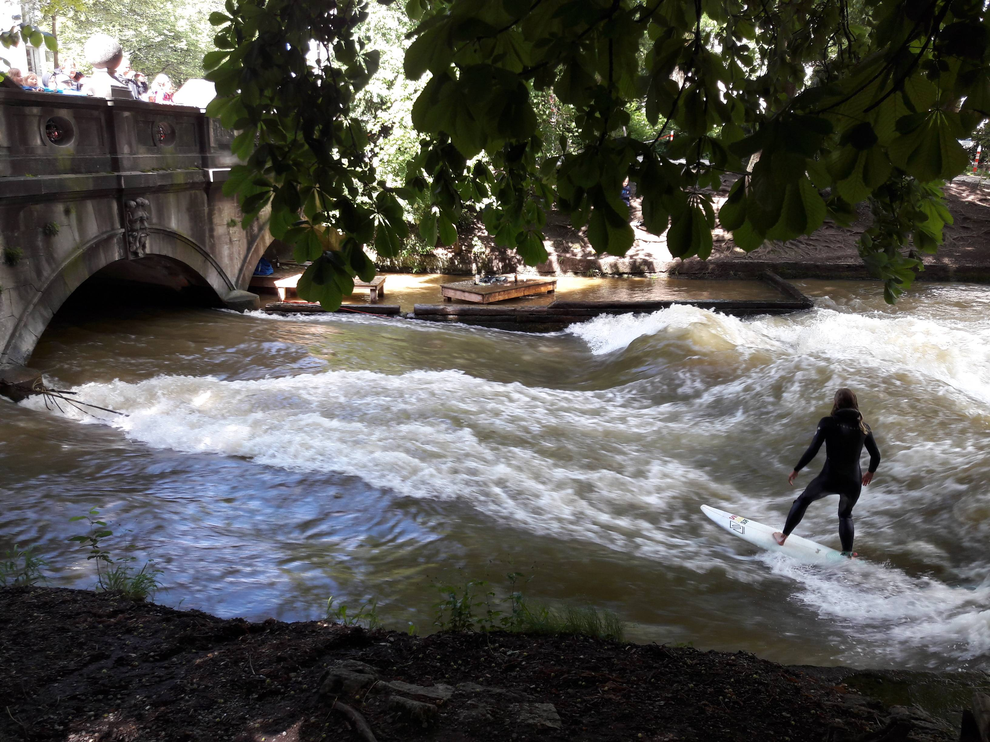 Photo 2: Surfer à Munich c'est possible !