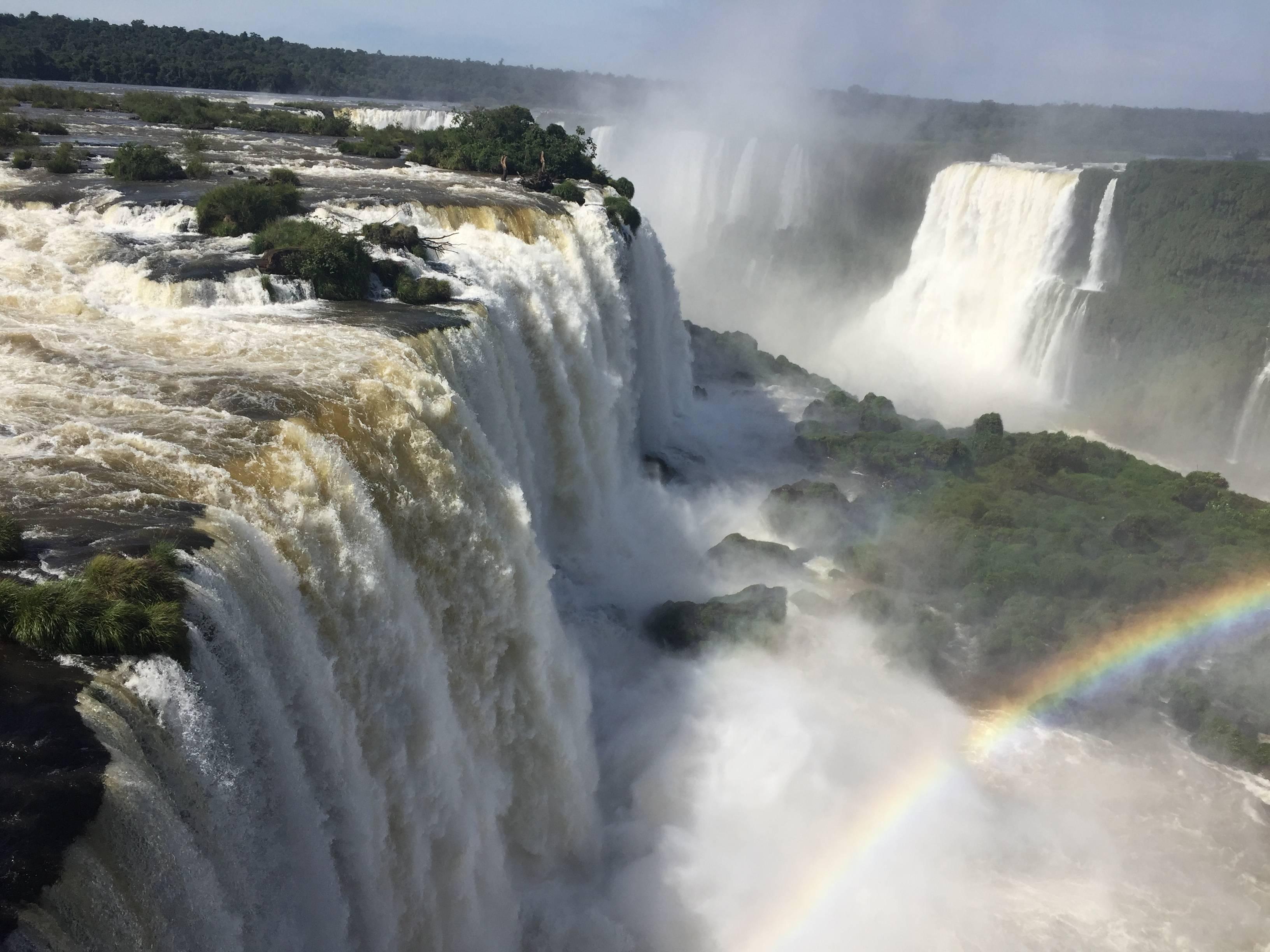 Photo 2: Iguazu sous arc en ciels
