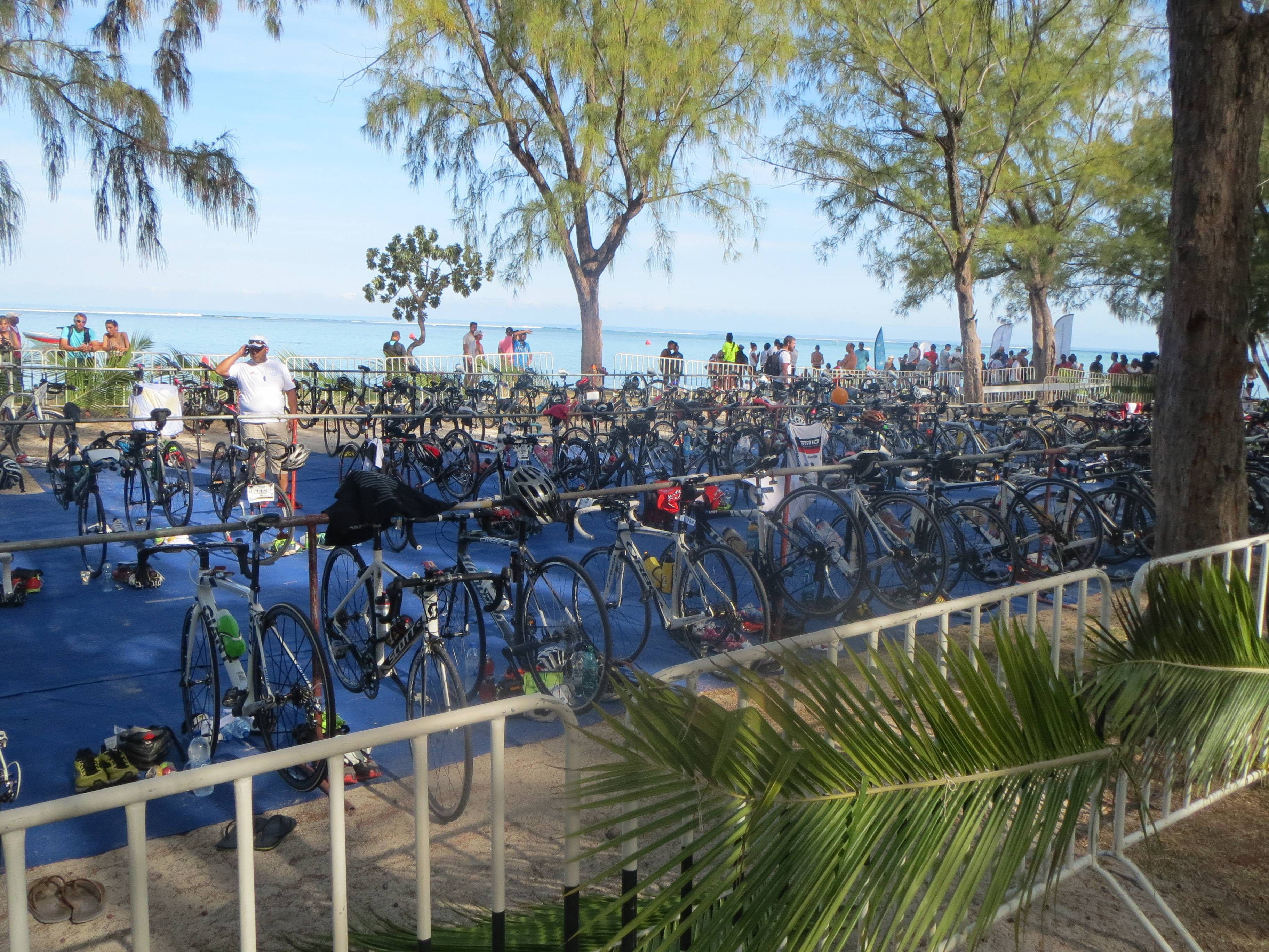 Photo 2: TRIATHLON DE L'ÎLE MAURICE....