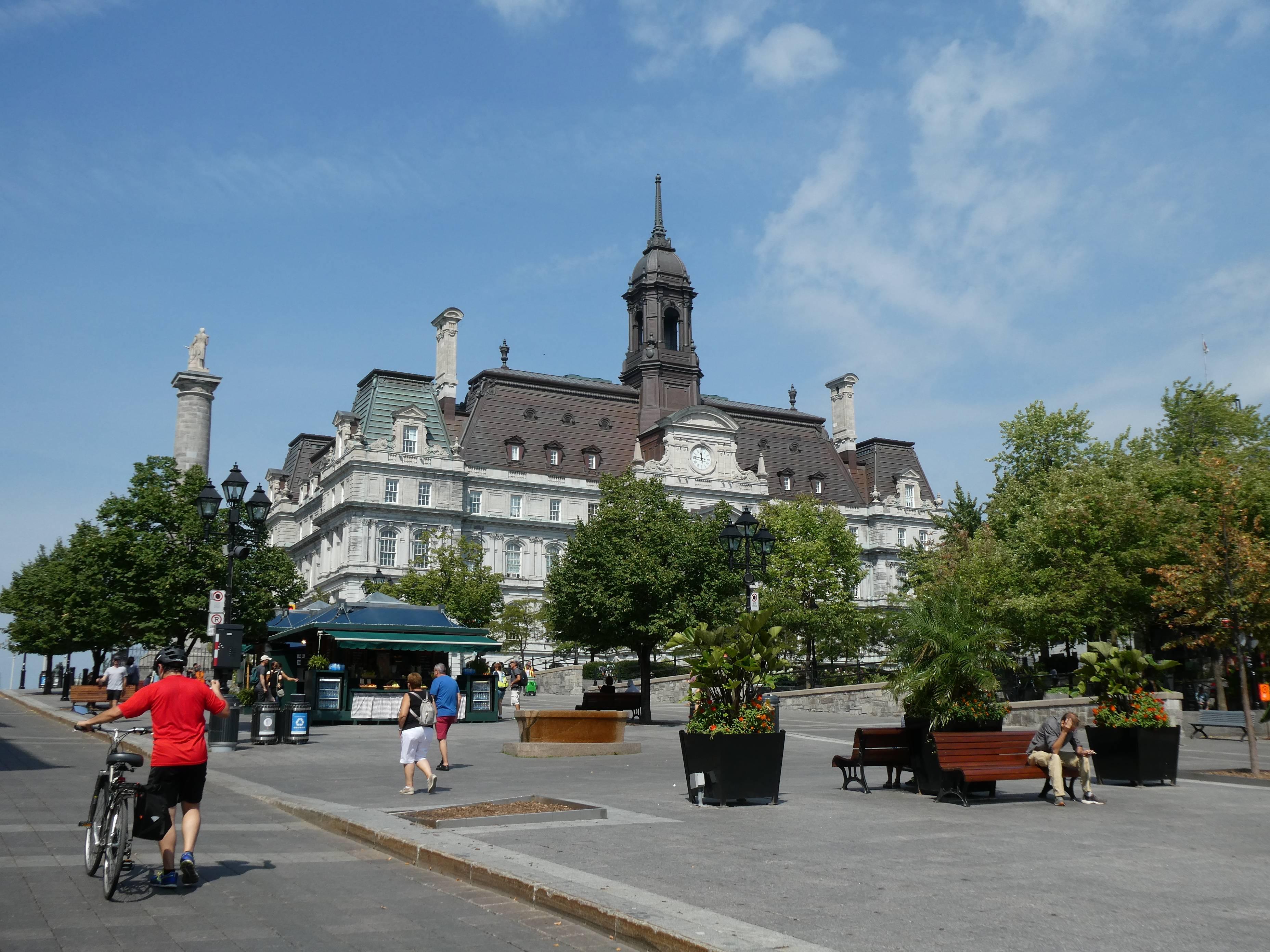 Photo 3: Montréal, une grande ville mais si attachante...