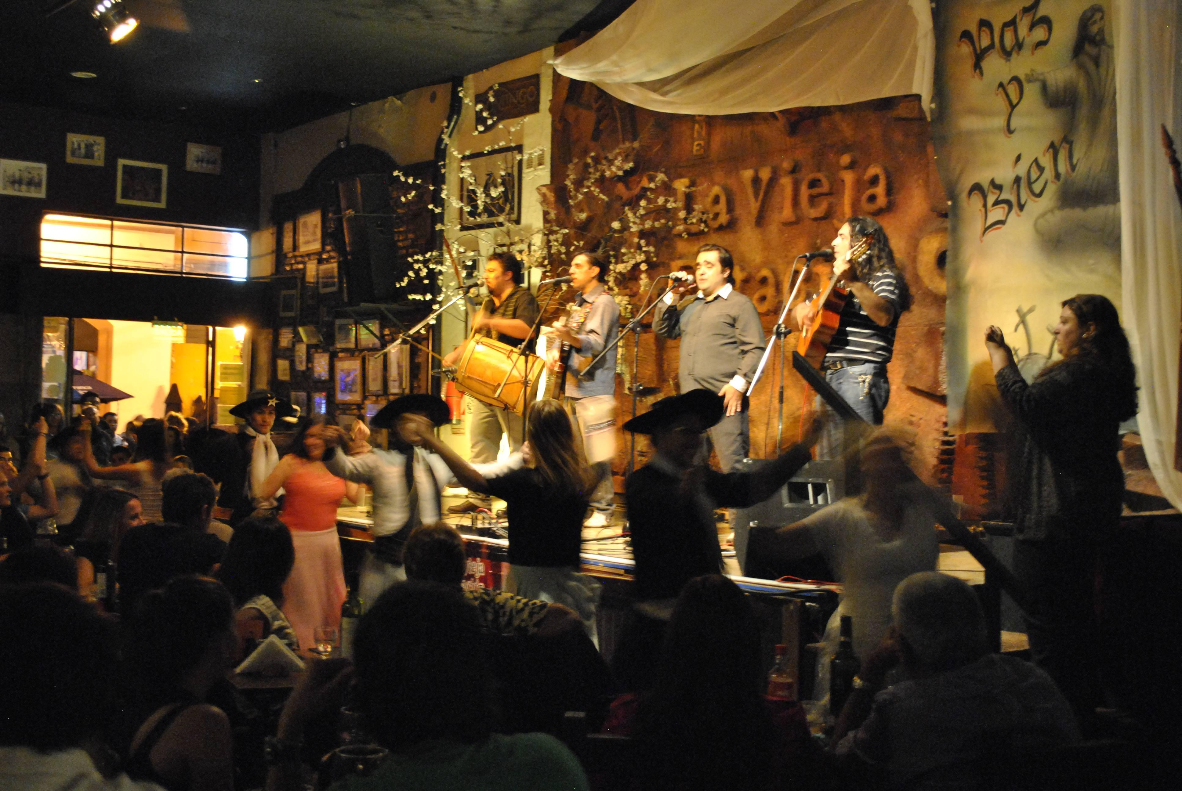 Photo 1: Restaurant La vieja estacion