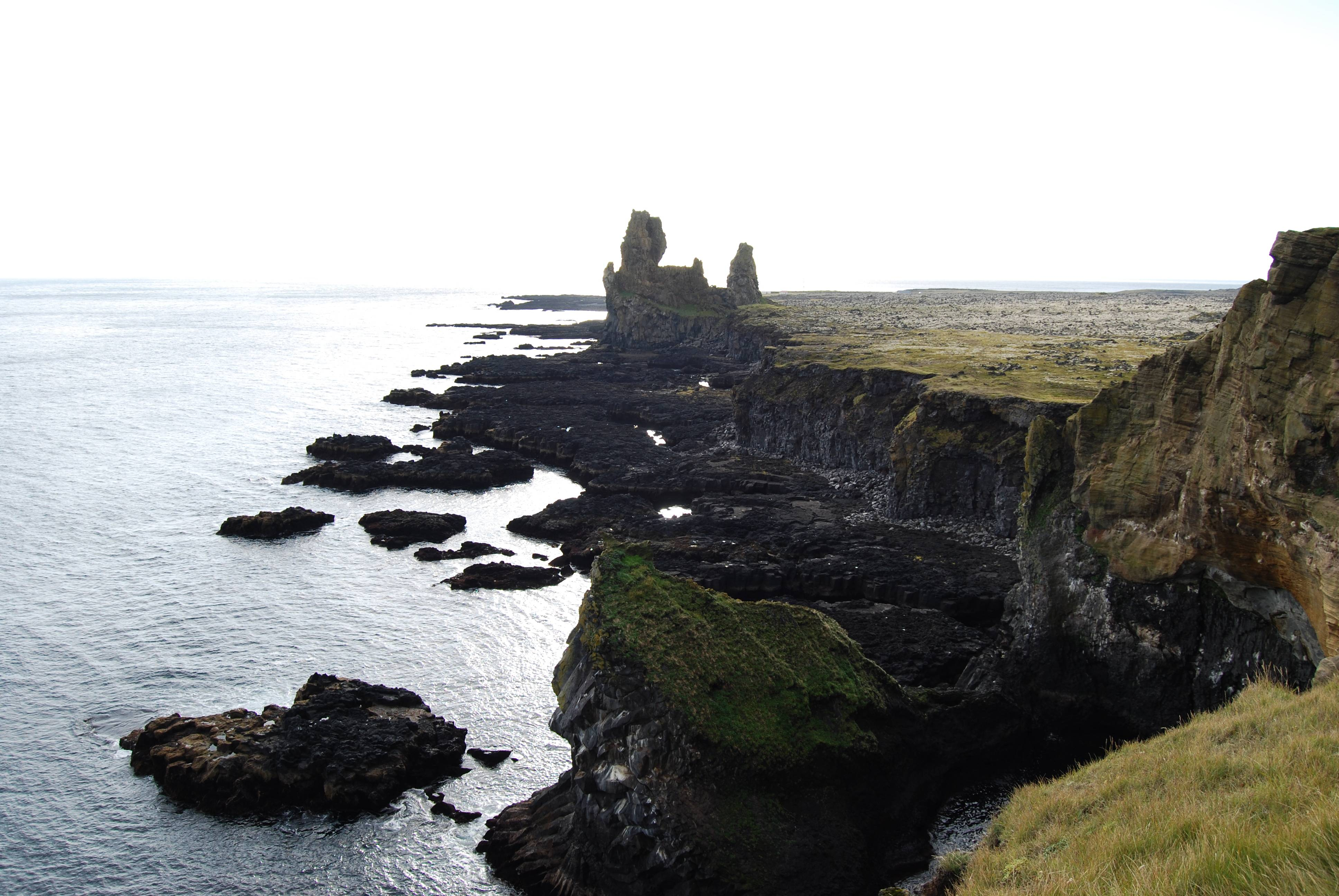 Photo 3: Svalpufa-pufubjarg, (Etretat Islandais)