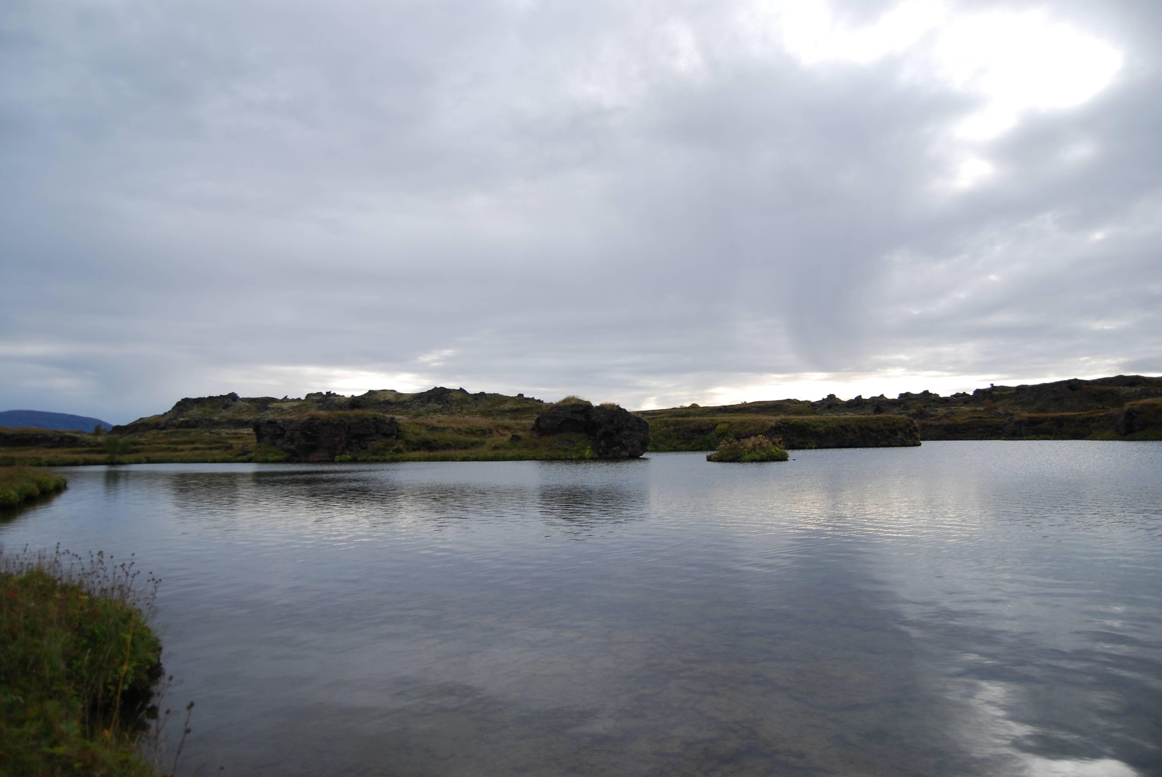 Photo 2: Le Lac de Myvatn, sérénité assurée