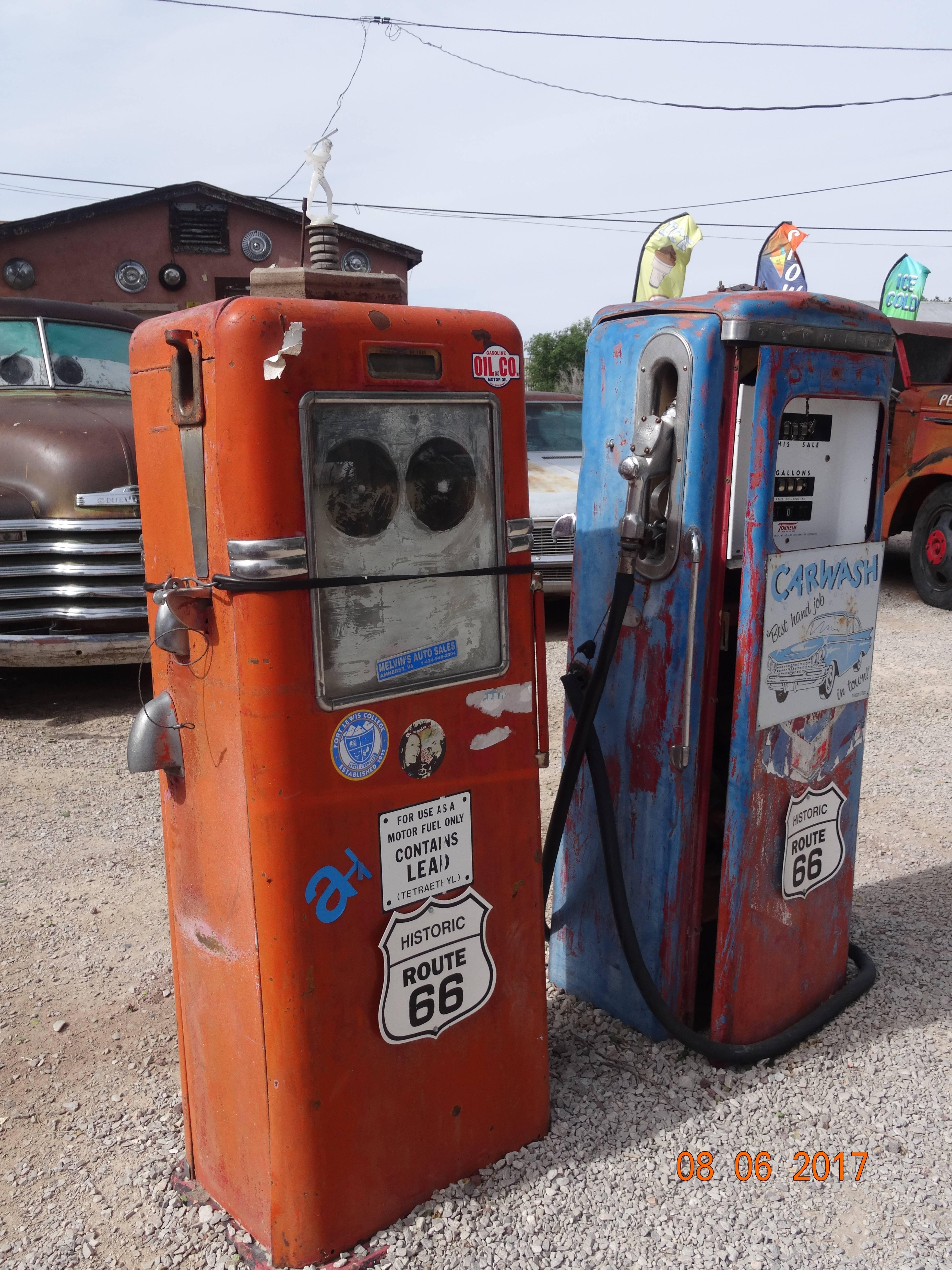 Photo 3: Petit arrêt sur la mythique Route 66 - USA