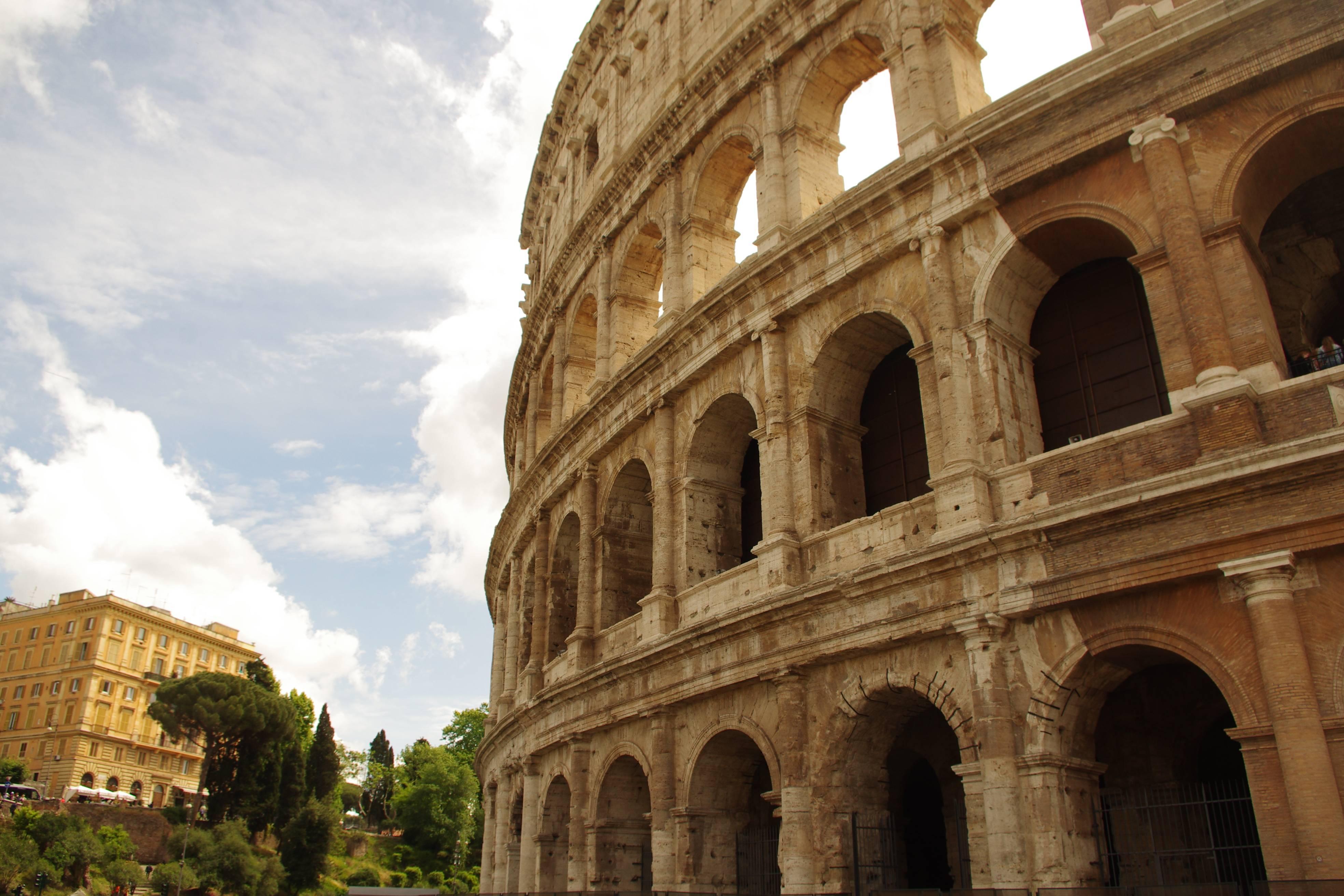 Photo 1: Le Colisée, un des symboles de Rome