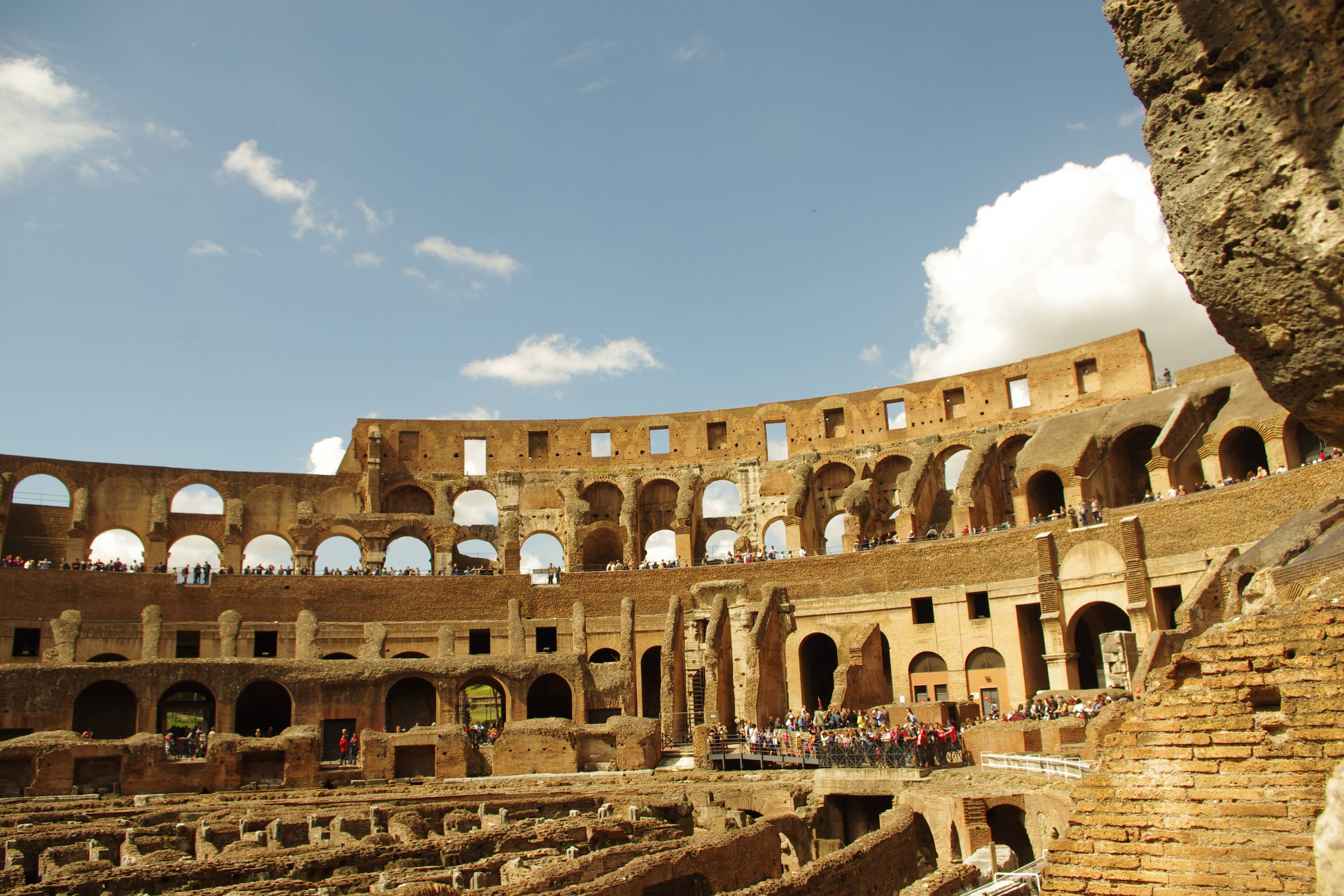 Photo 2: Le Colisée, un des symboles de Rome