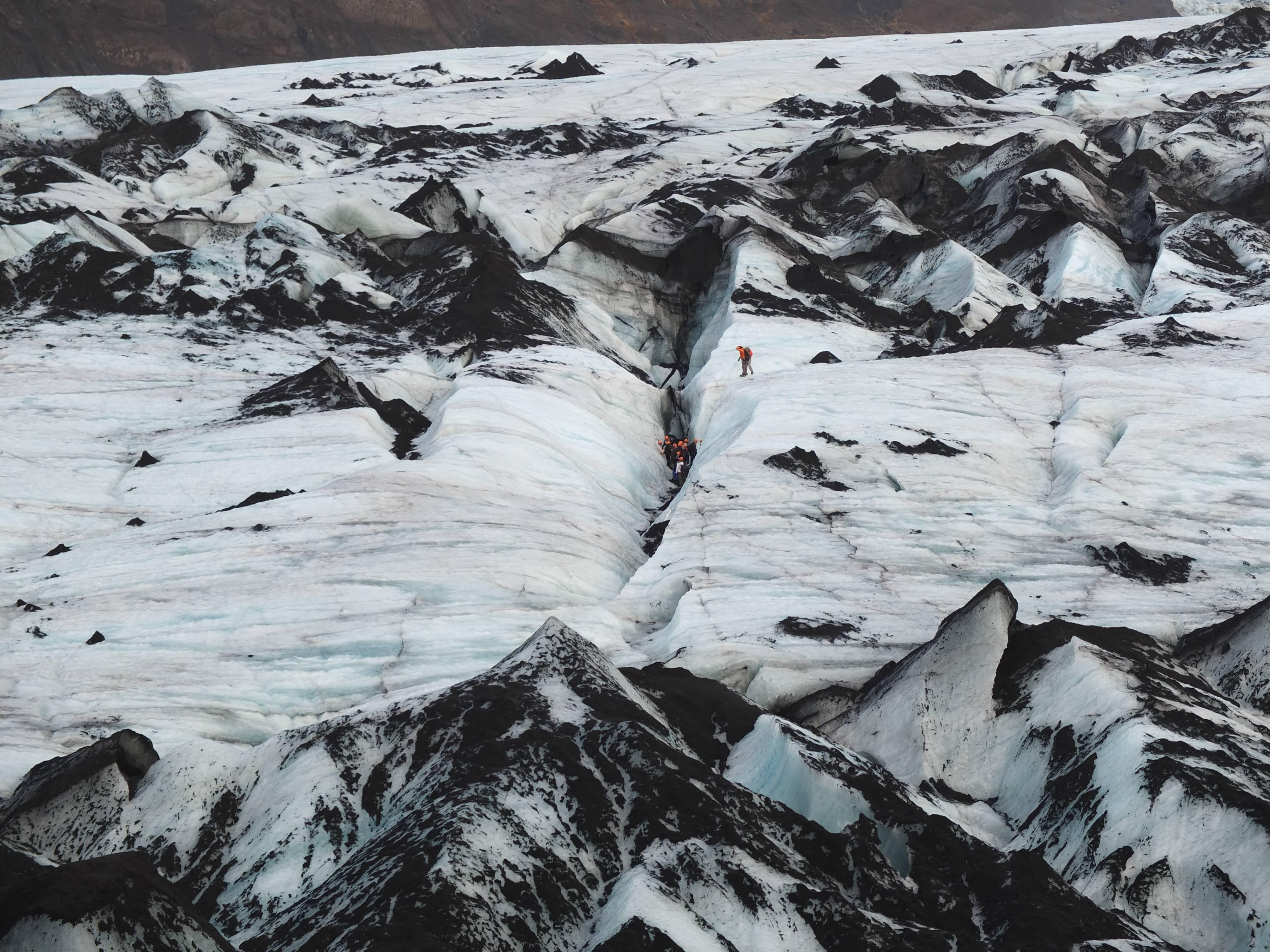 Photo 1: Marcher sur un glacier en Islande