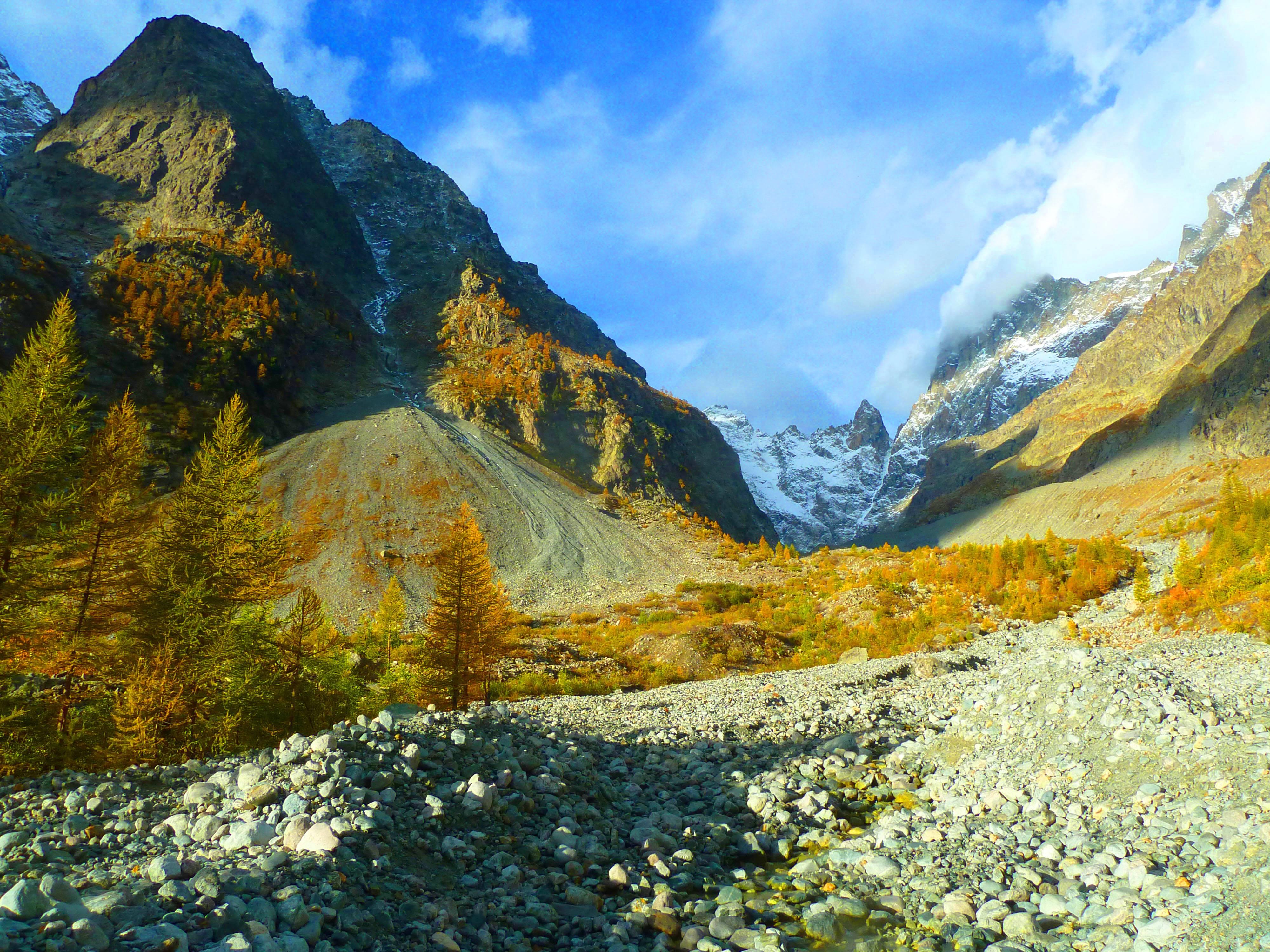 Photo 1: Le refuge du Glacier Blanc